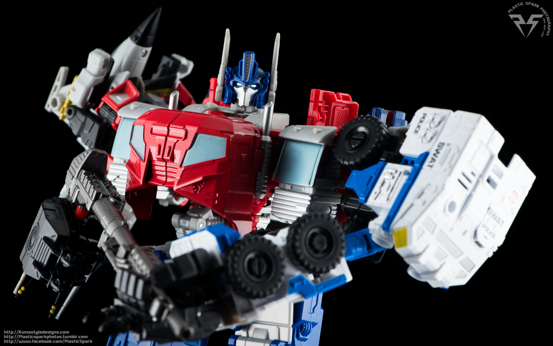 Combiner-Wars-Optimus-Prime-(17-of-19).png
