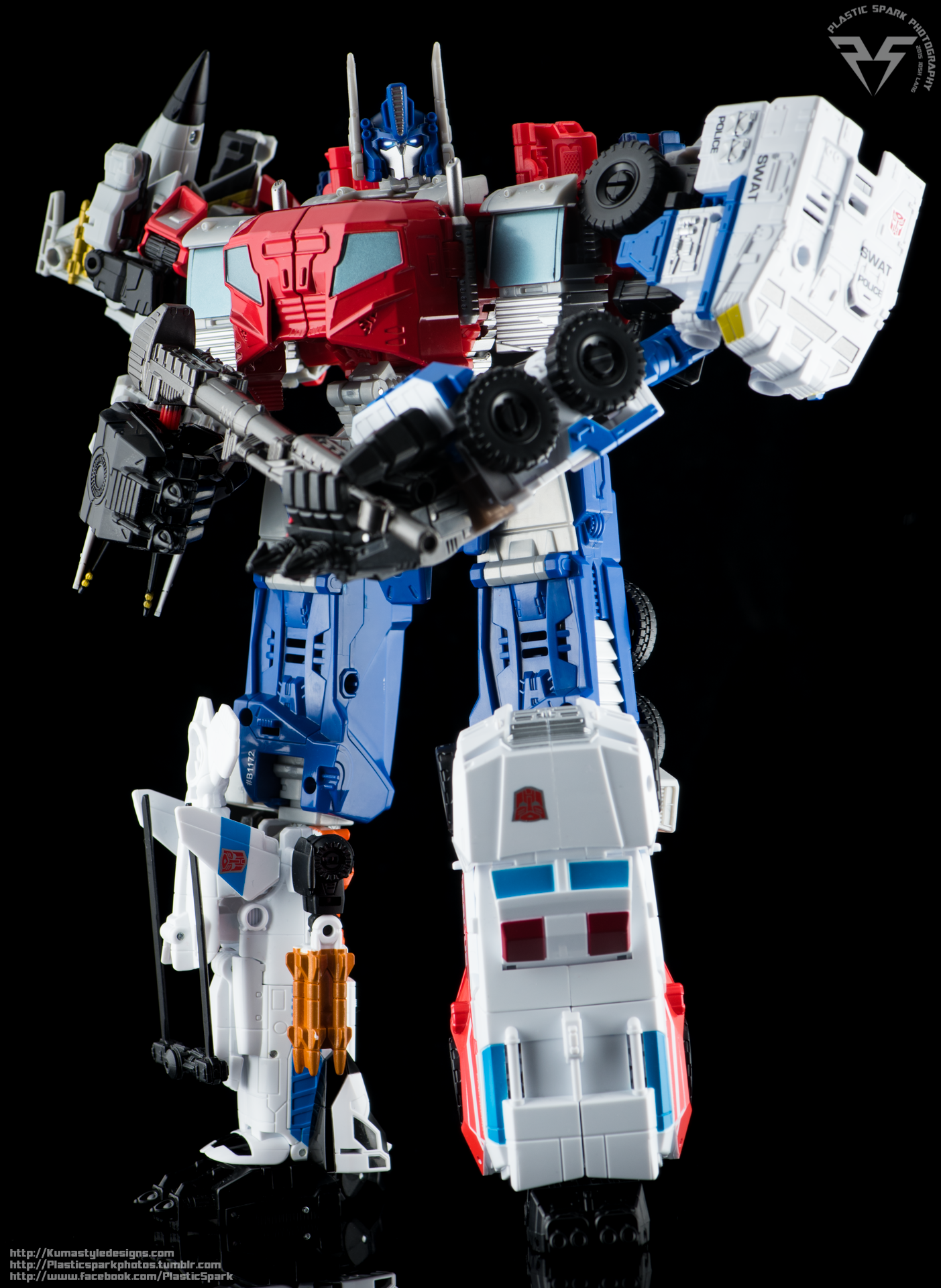 Combiner-Wars-Optimus-Prime-(18-of-19).png