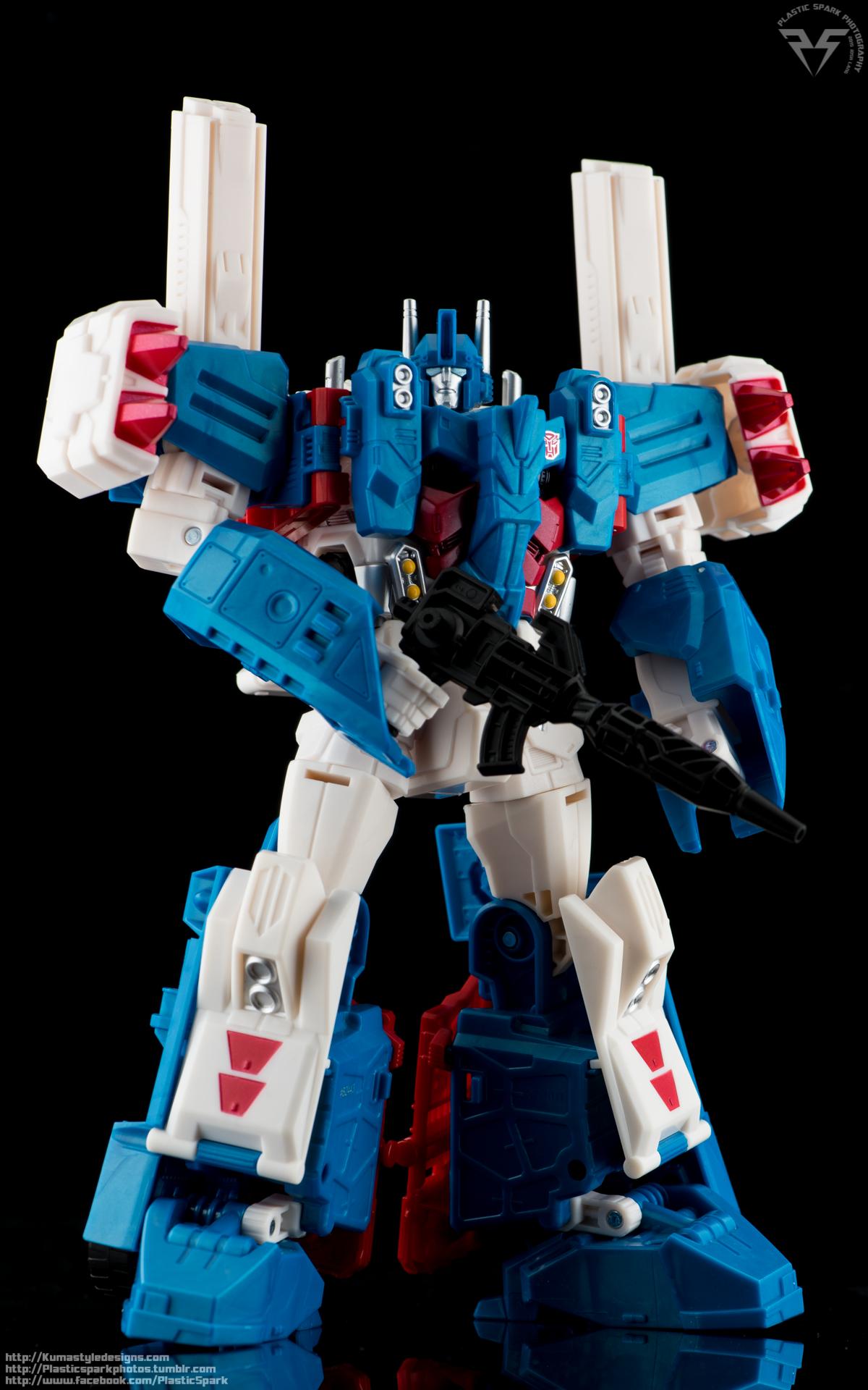 KUMA Combiner-Wars-Ultra-Magnus-(8-of-13)