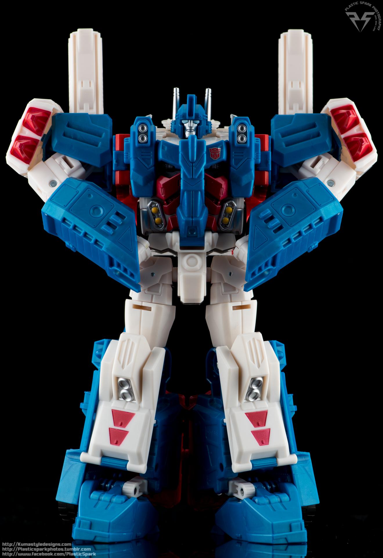 Combiner-Wars-Ultra-Magnus-(13-of-13).png