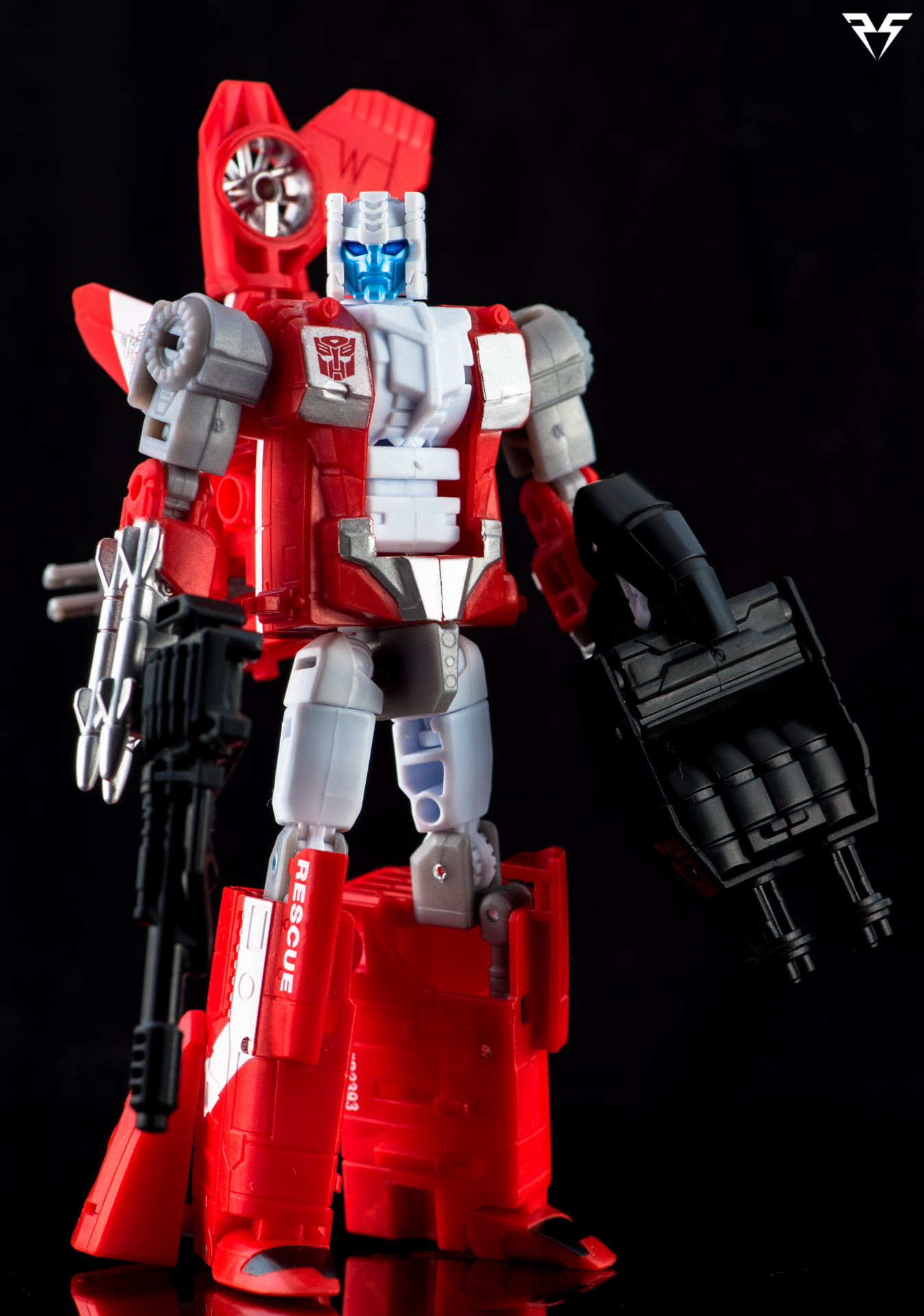 Protectobot Blades-11