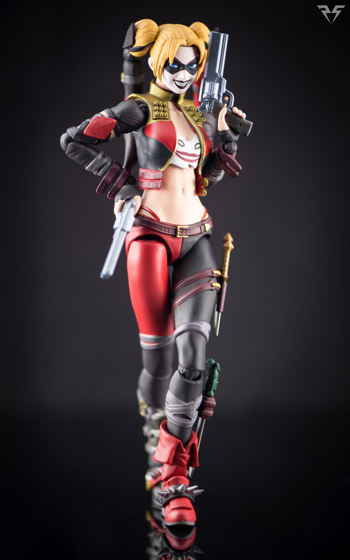 Figuarts Harley Quinn-2.jpg
