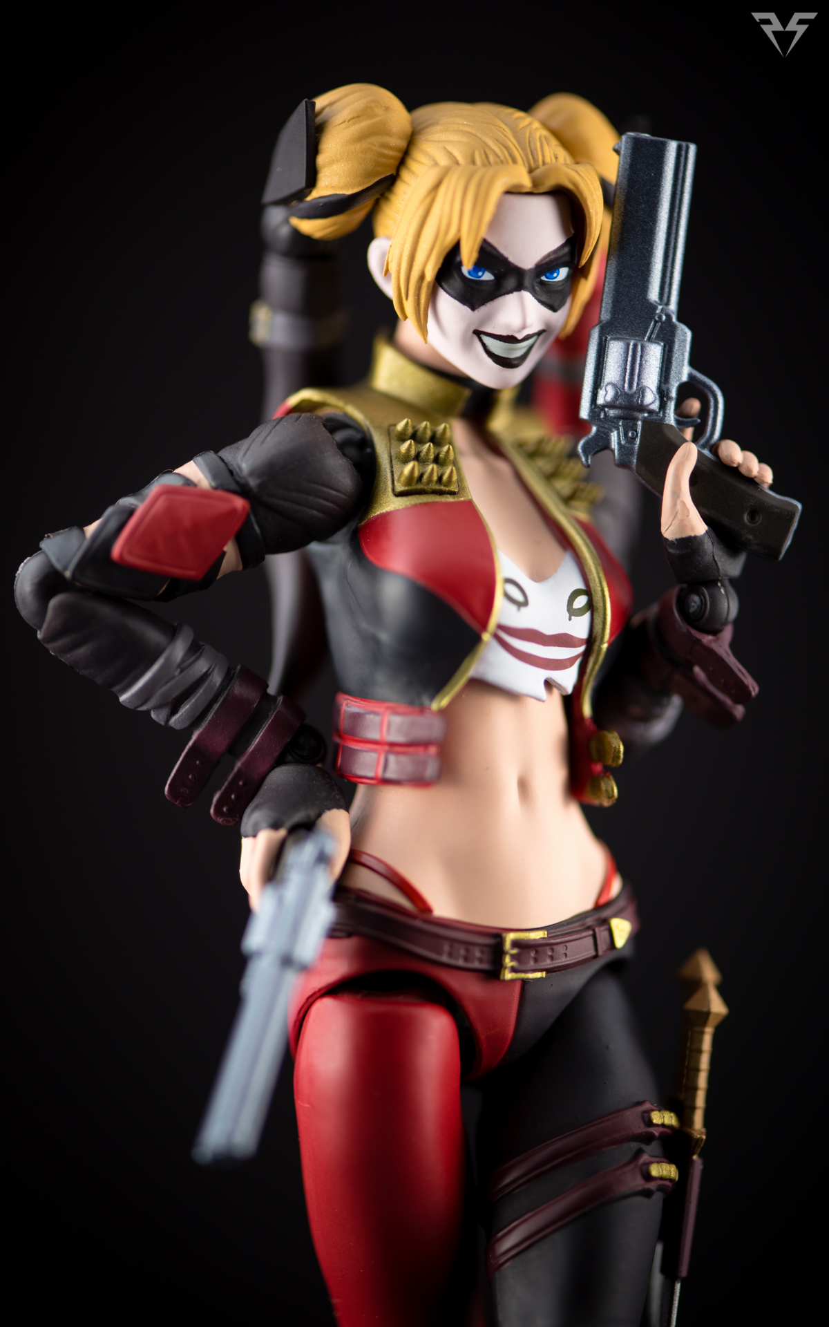 Figuarts Harley Quinn-4.jpg