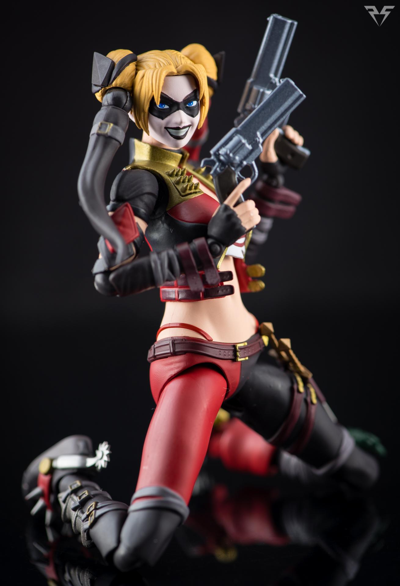 Figuarts Harley Quinn-7.jpg