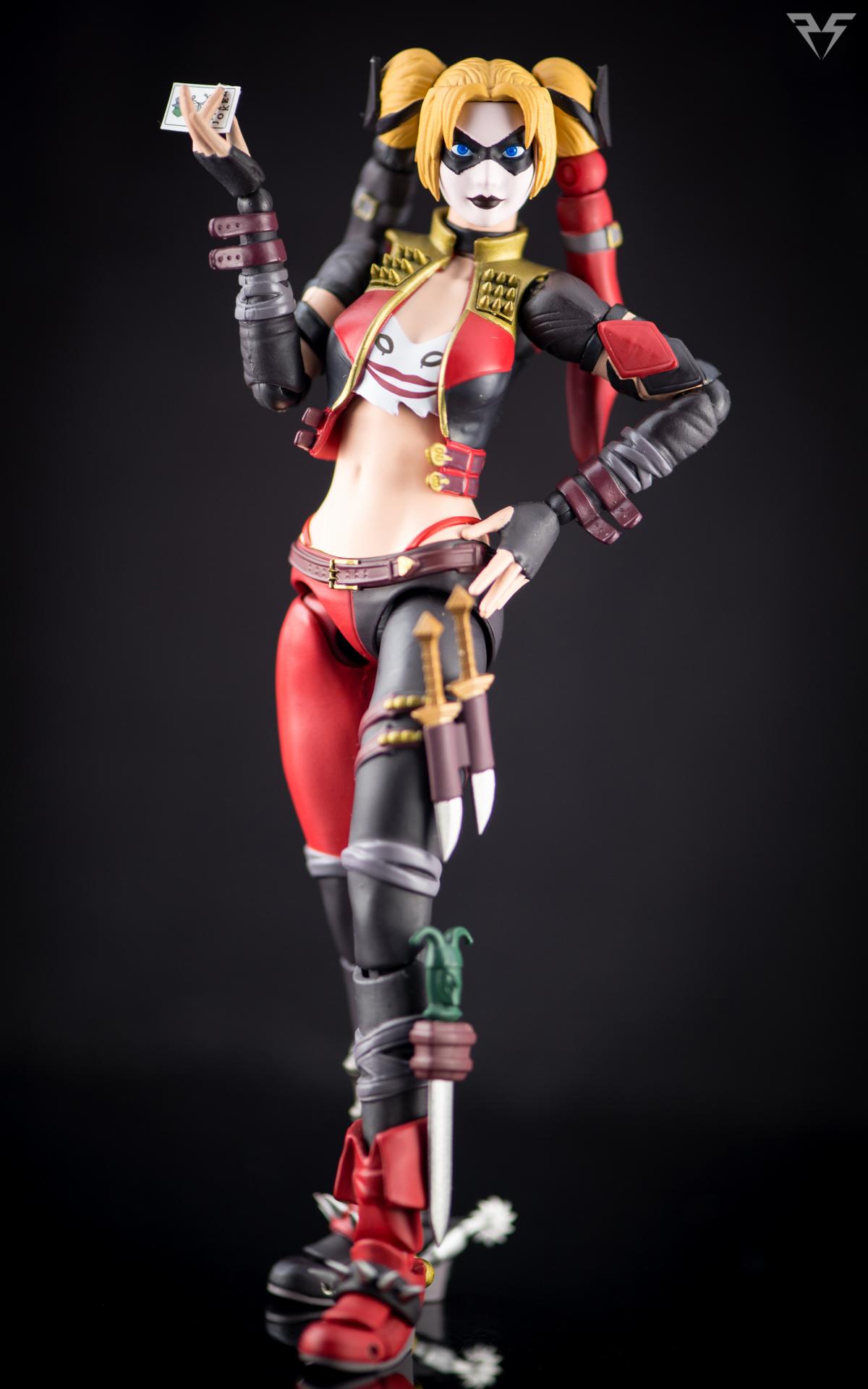 Figuarts Harley Quinn-10.jpg