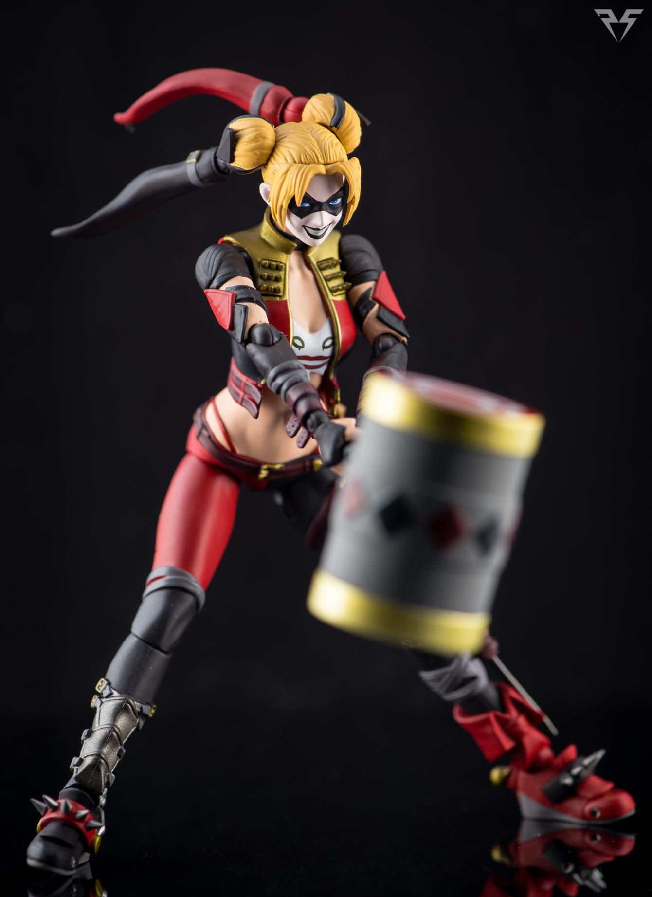 Figuarts Harley Quinn-18.jpg