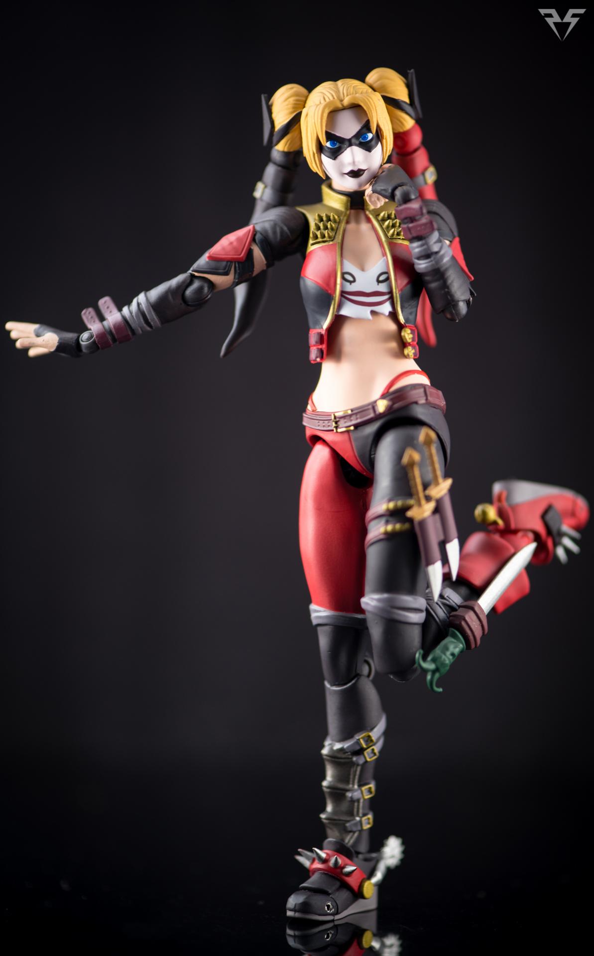 Figuarts Harley Quinn-20.jpg