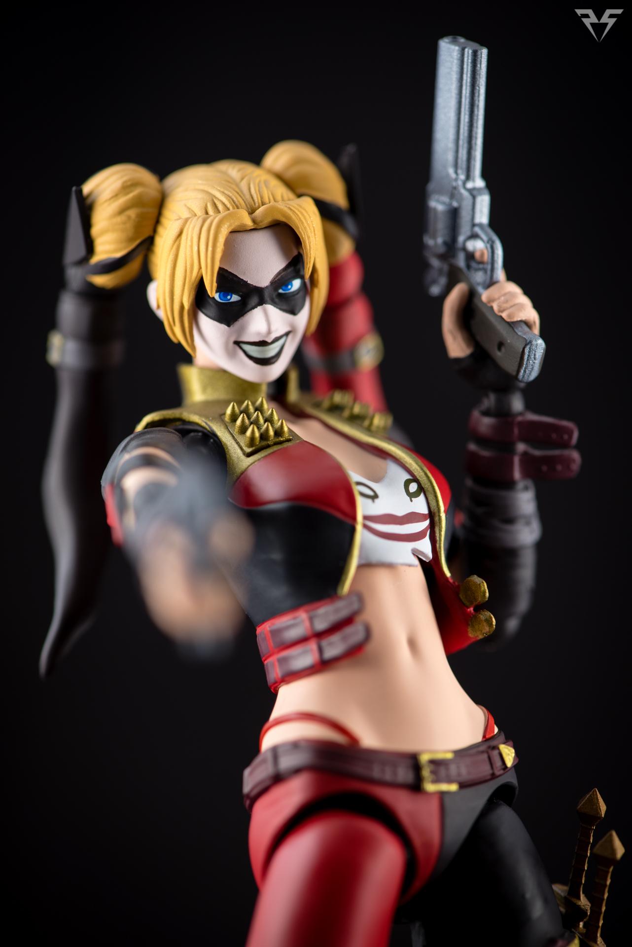 Figuarts Harley Quinn-28.jpg