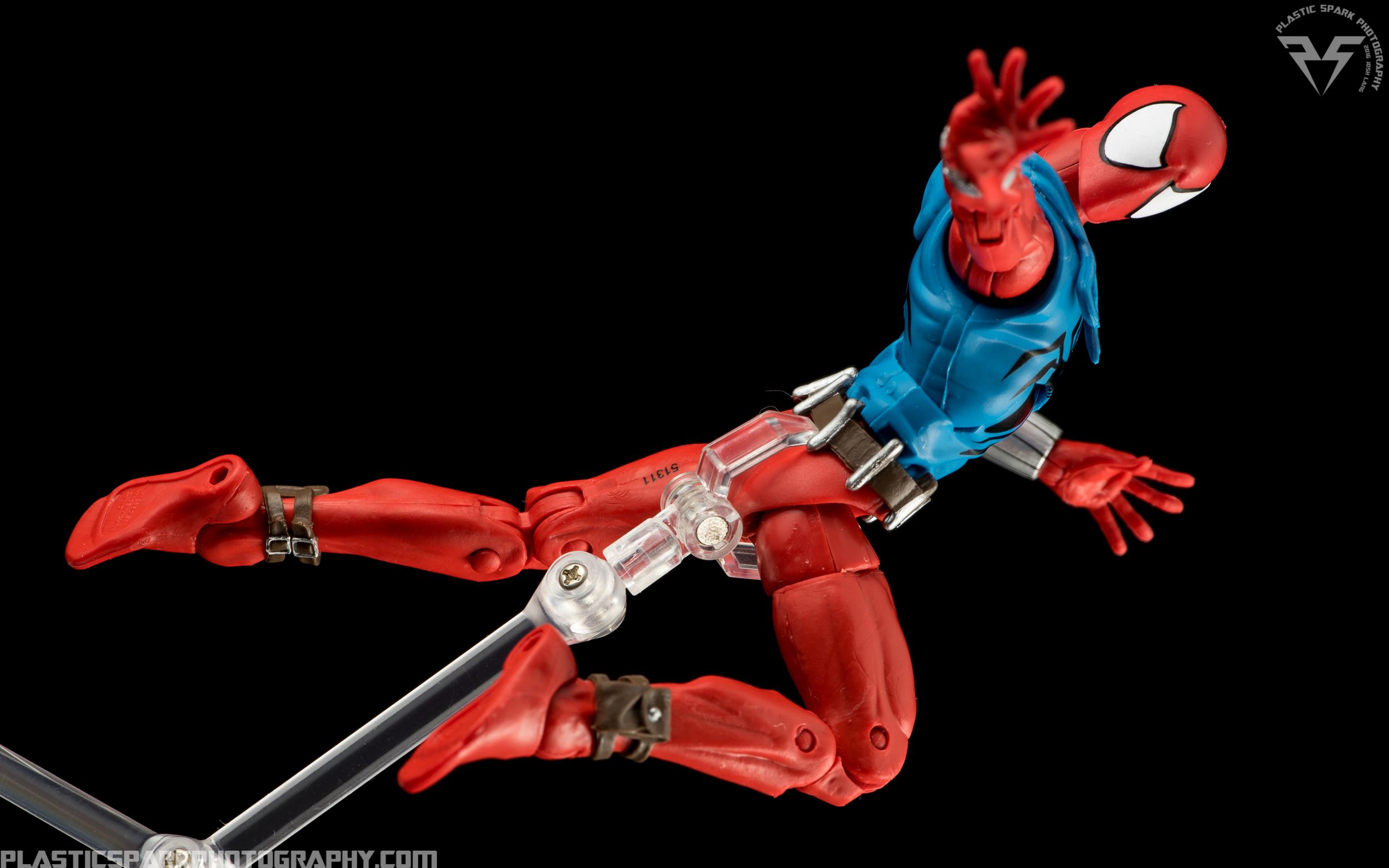 Marvel-Legends-Scarlet-Spider-(5-of-11).png