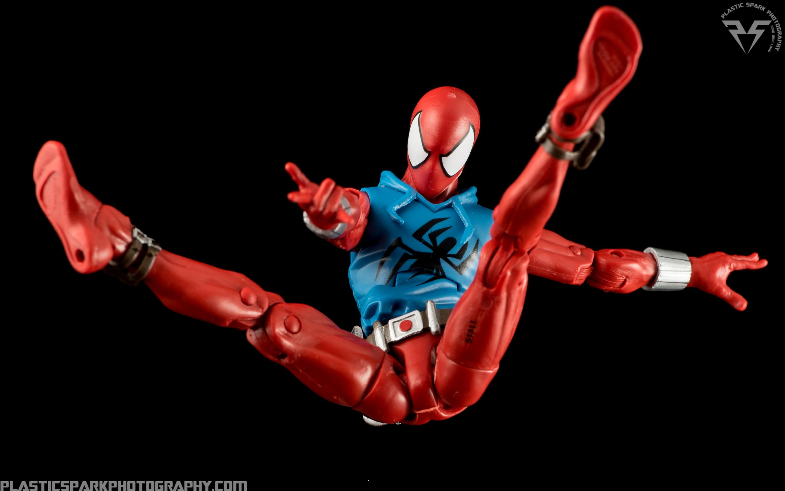 Marvel-Legends-Scarlet-Spider-(6-of-11).png