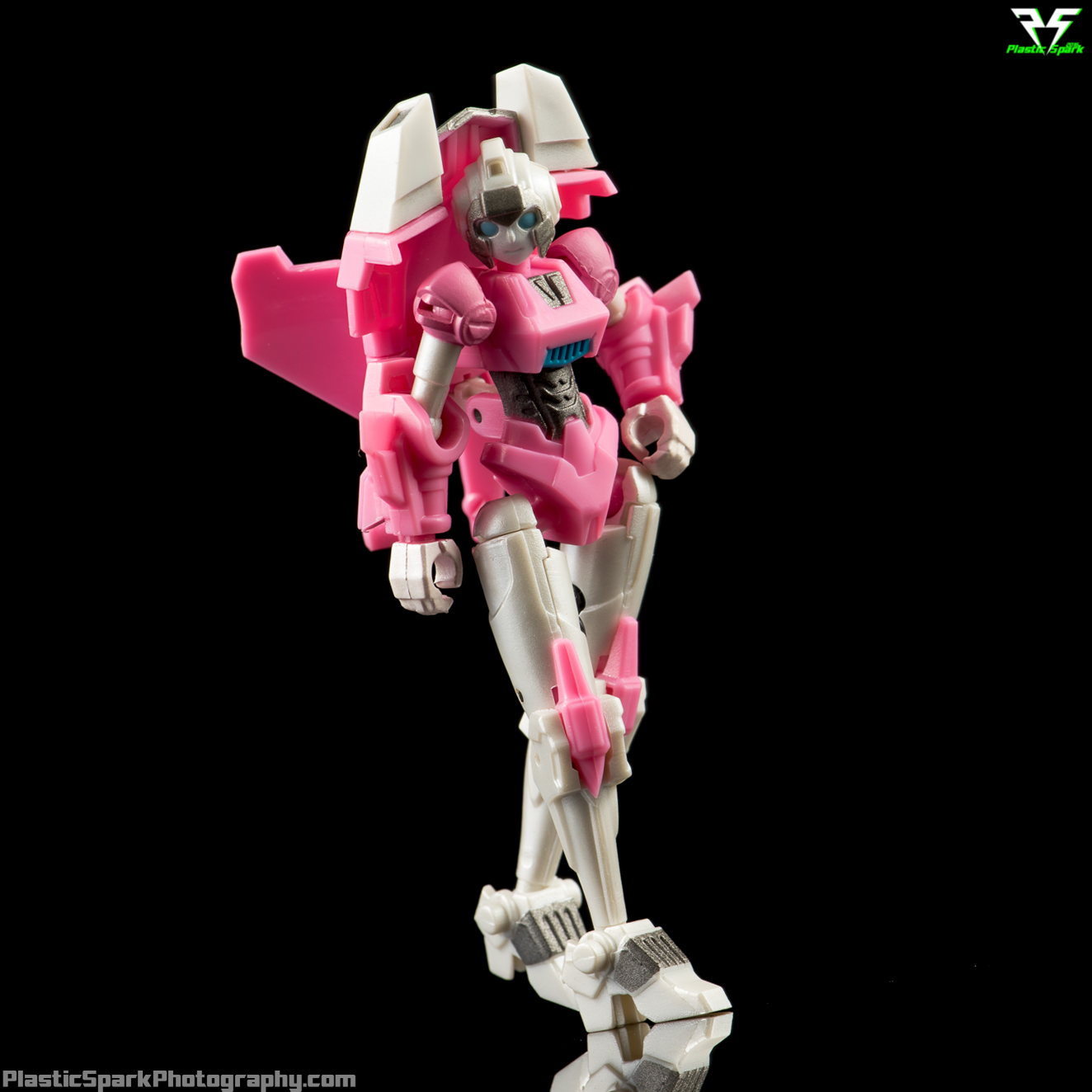 NEW Iron Factory Transformers IF EX-16 Pink Assassin Arcee IDW Legends