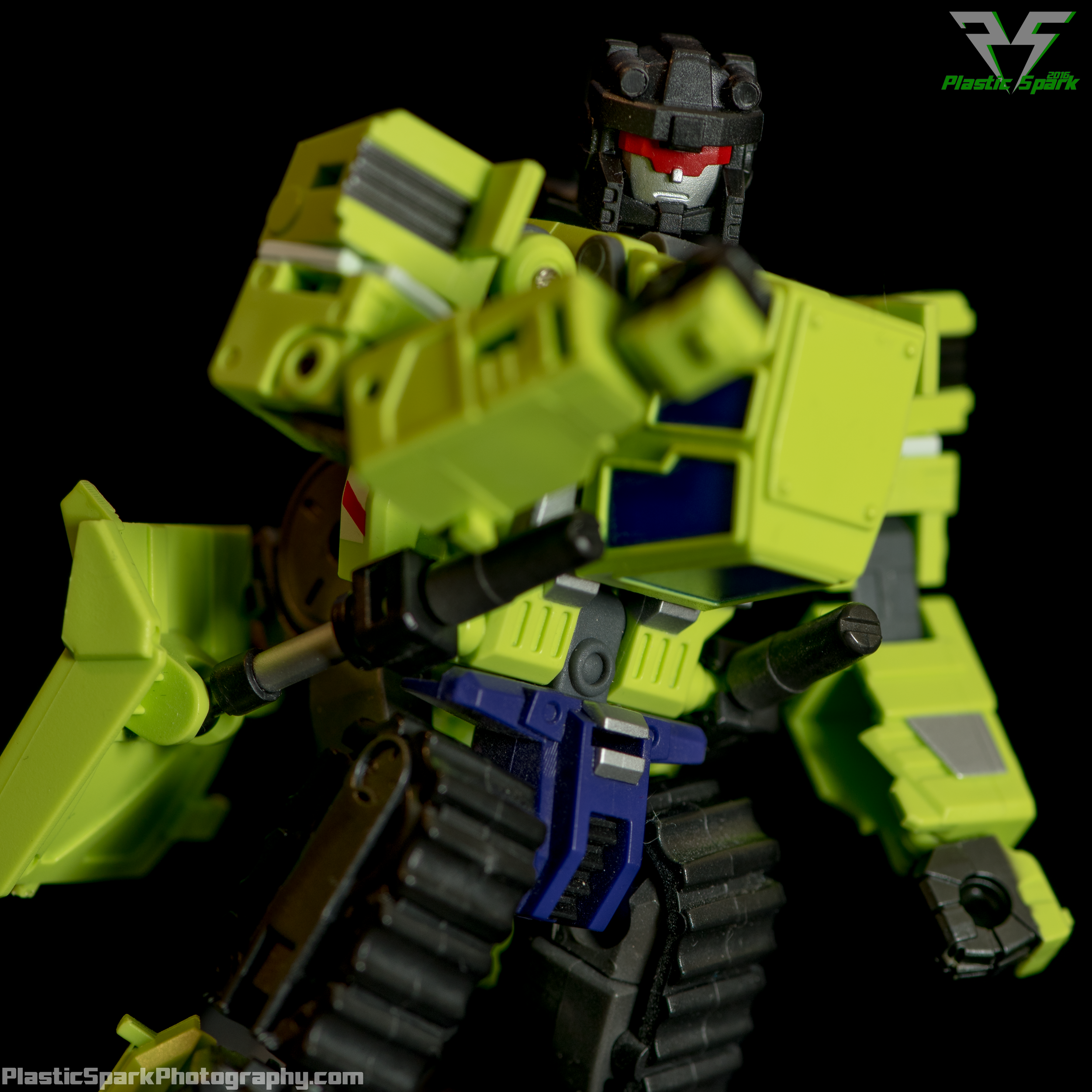 Maketoys-Bonecrusher-(1-of-1).png