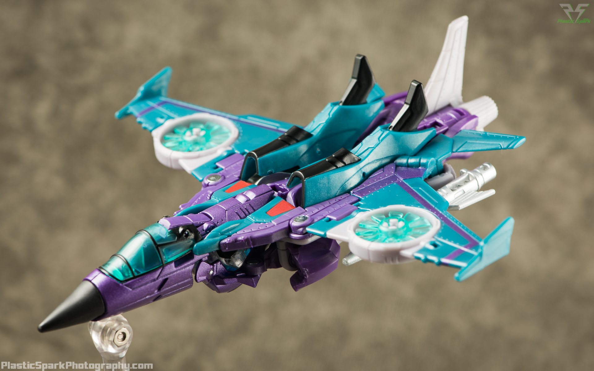 Takara-LG16-Slipstream-(1-of-12).png
