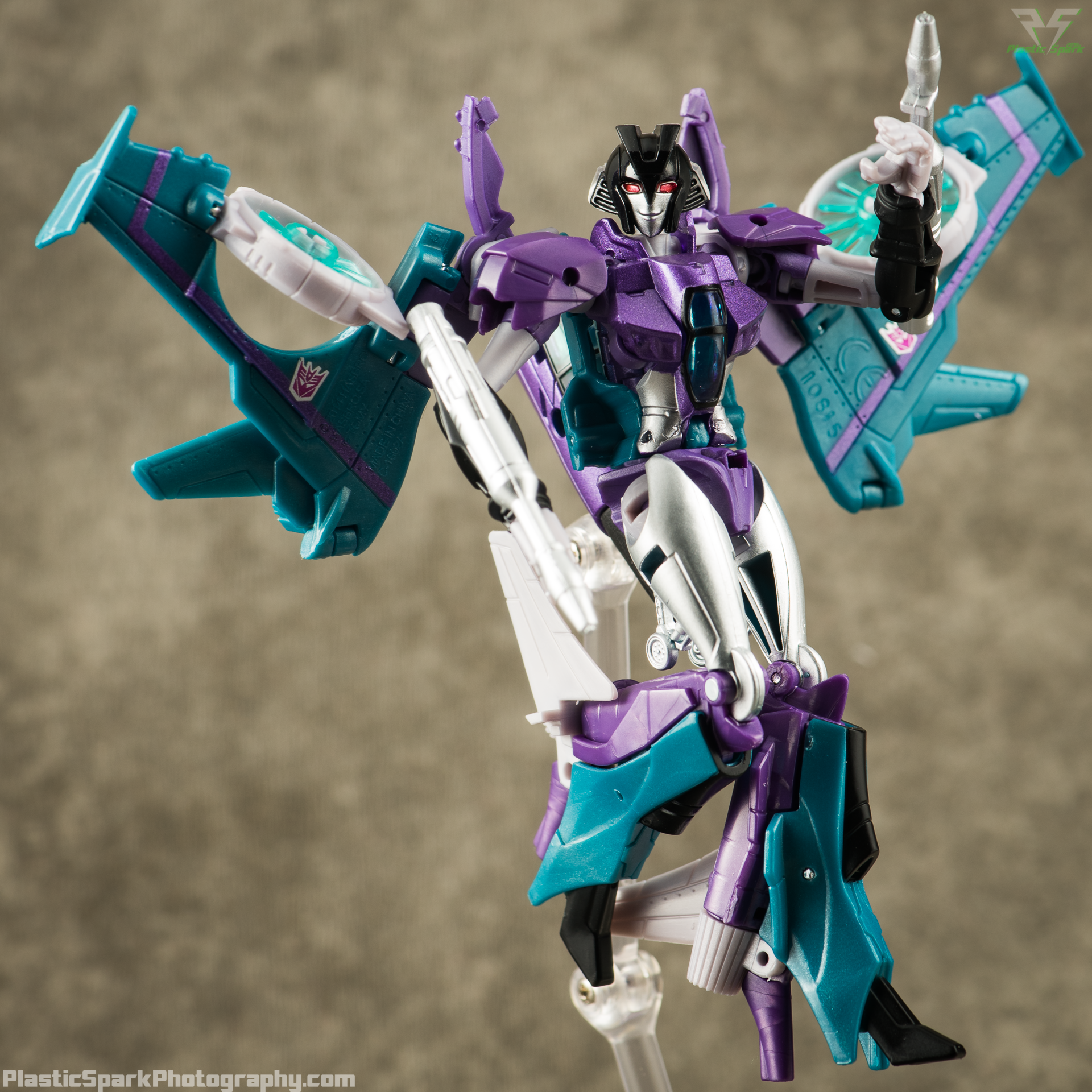 Takara-LG16-Slipstream-(5-of-12).png