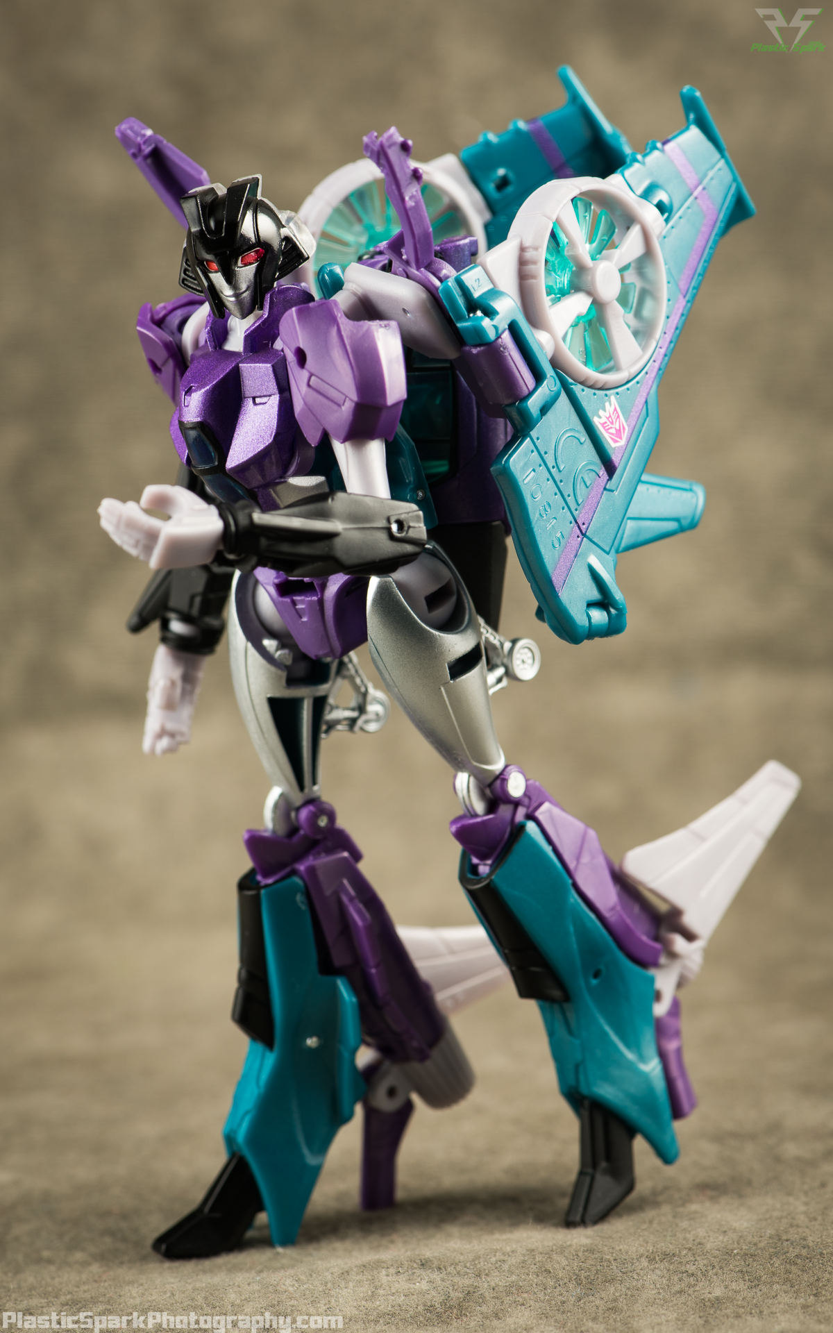 Takara-LG16-Slipstream-(10-of-12).png