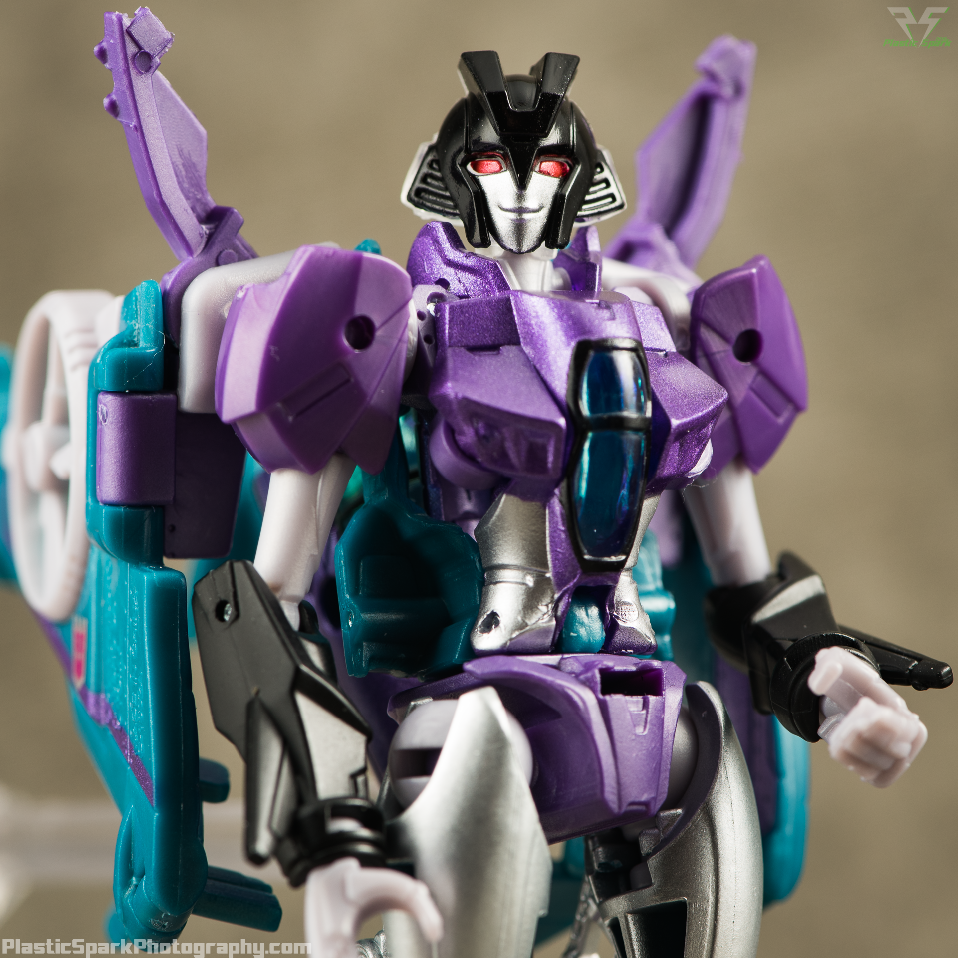 Takara-LG16-Slipstream-(11-of-12).png