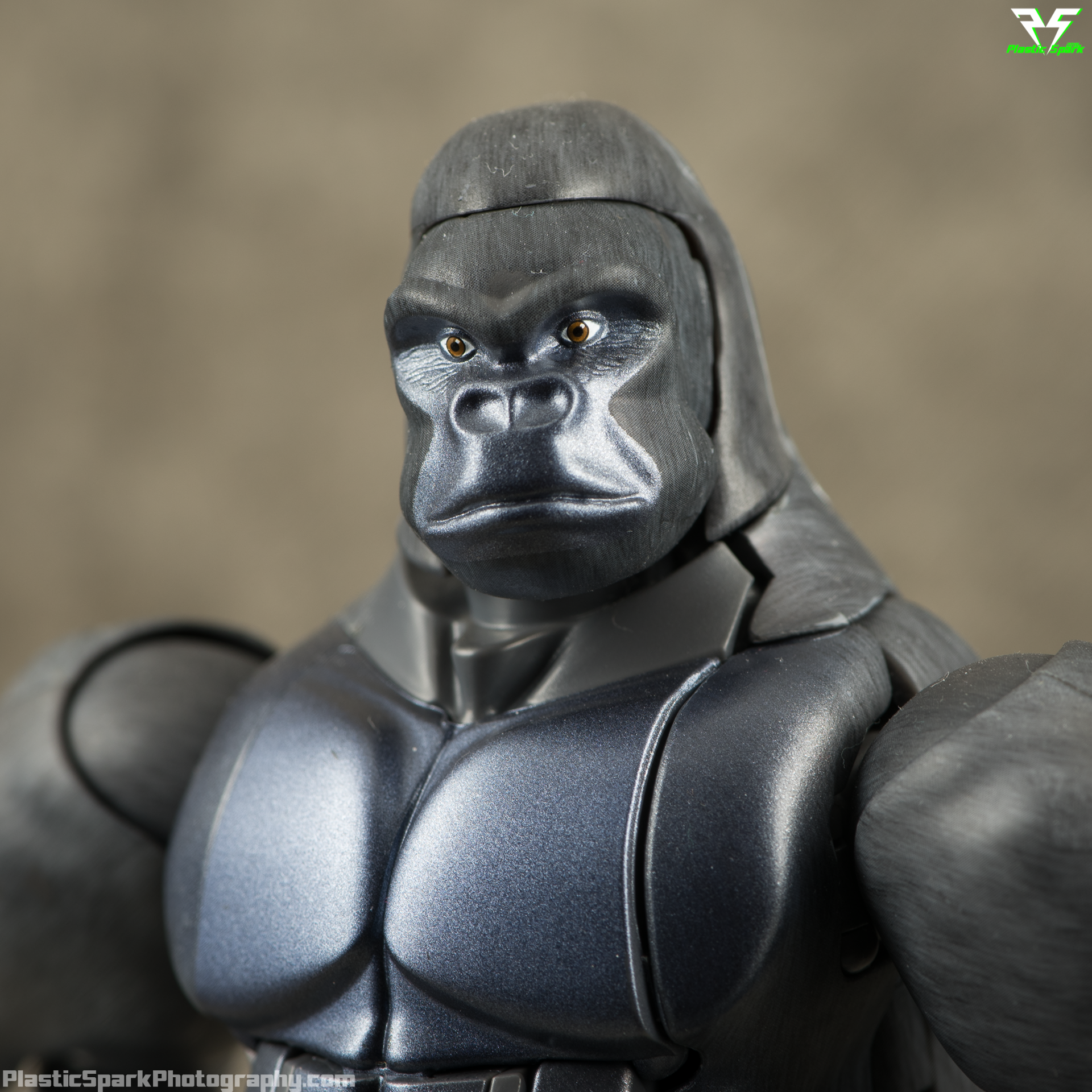 Masterpiece-MP32-Convoy-(Beast-Wars)-(5-of-37).png