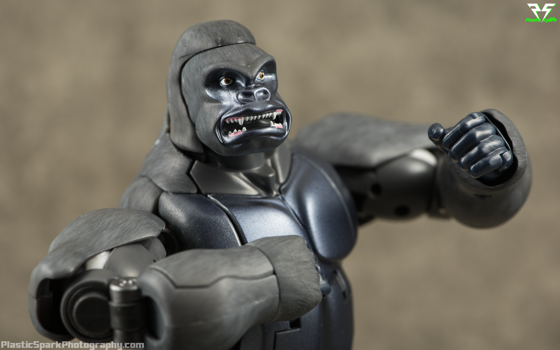 Masterpiece-MP32-Convoy-(Beast-Wars)-(8-of-37).png