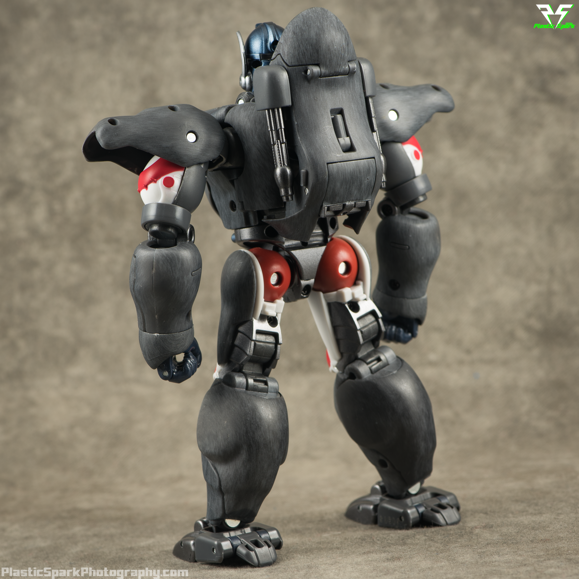 Masterpiece-MP32-Convoy-(Beast-Wars)-(25-of-37).png