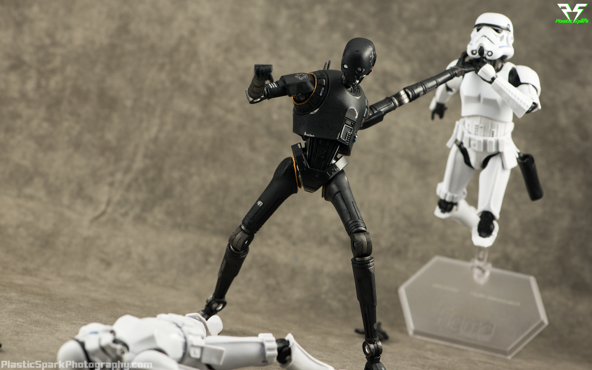 Star-Wars-Black-Series-K2-S0-(6-of-10).png