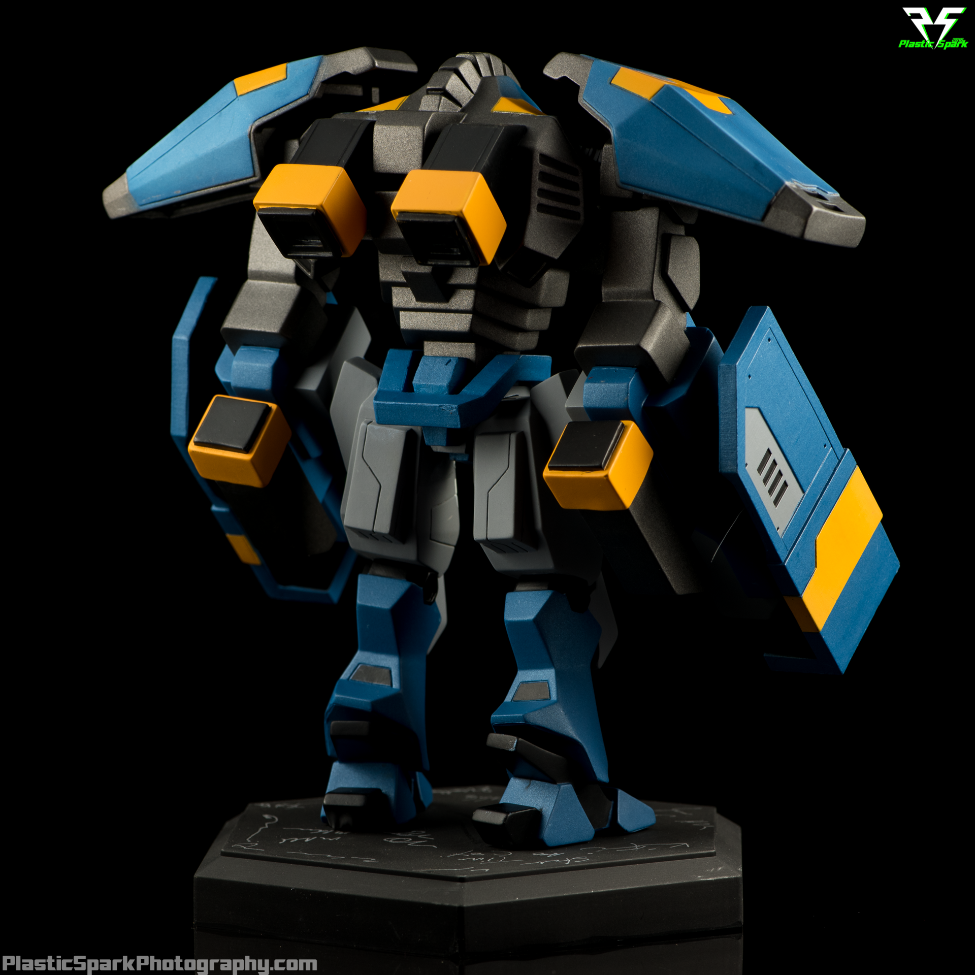 Planetary-Annihilation-Invictus-Statue-(3-of-10).png