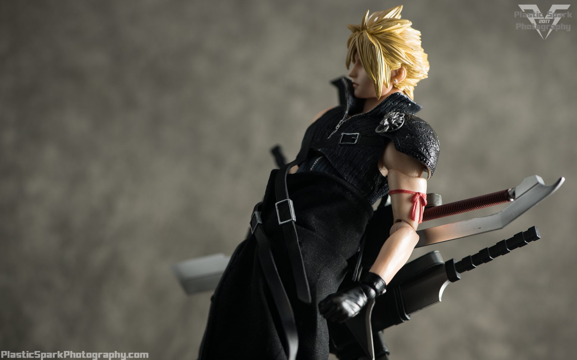 Play-Arts-Kai---Advent-Children-Cloud-(14-of-25).png