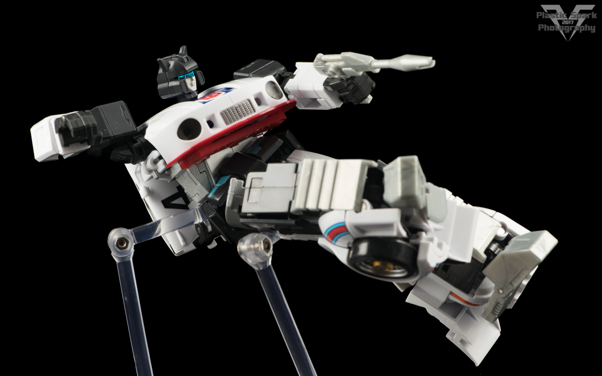 MakeToys-Re-Master-MTRM-09-Downbeat--(10-of-42).png