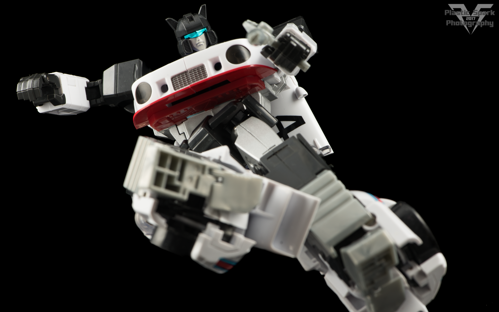 MakeToys-Re-Master-MTRM-09-Downbeat--(11-of-42).png