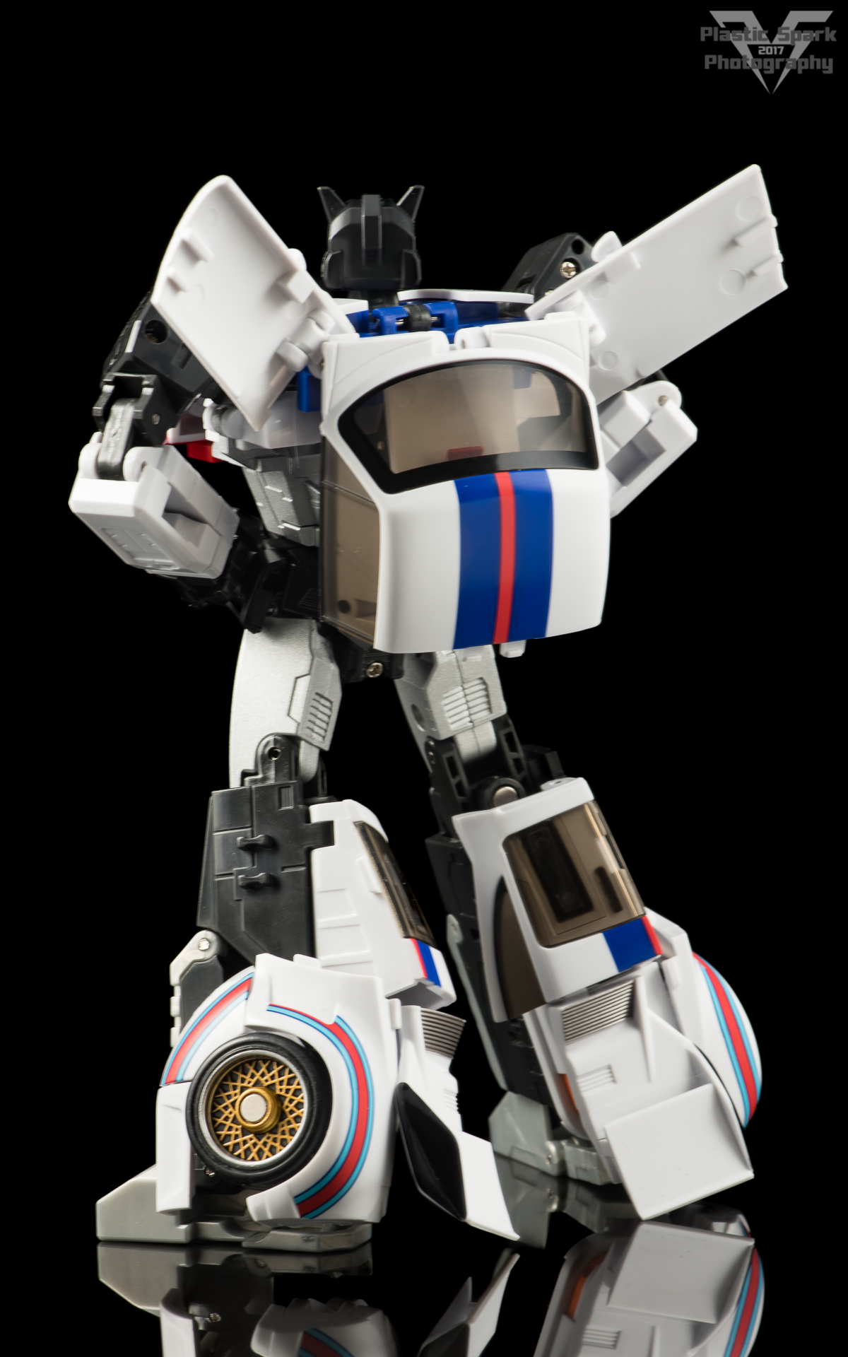 MakeToys-Re-Master-MTRM-09-Downbeat--(15-of-42).png