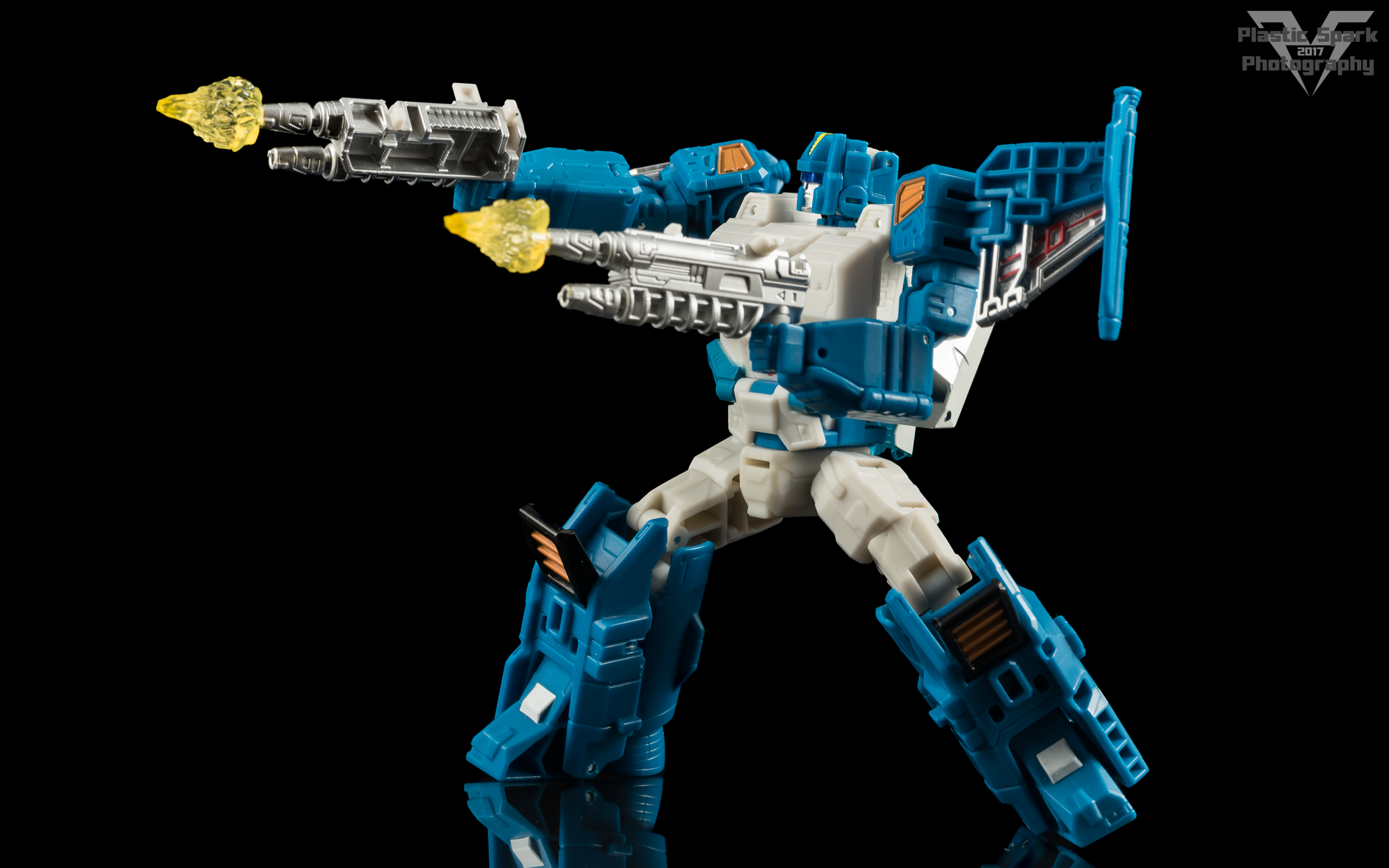 Hasbro-Titans-Return-Deluxe-Topspin-(3-of-7).png