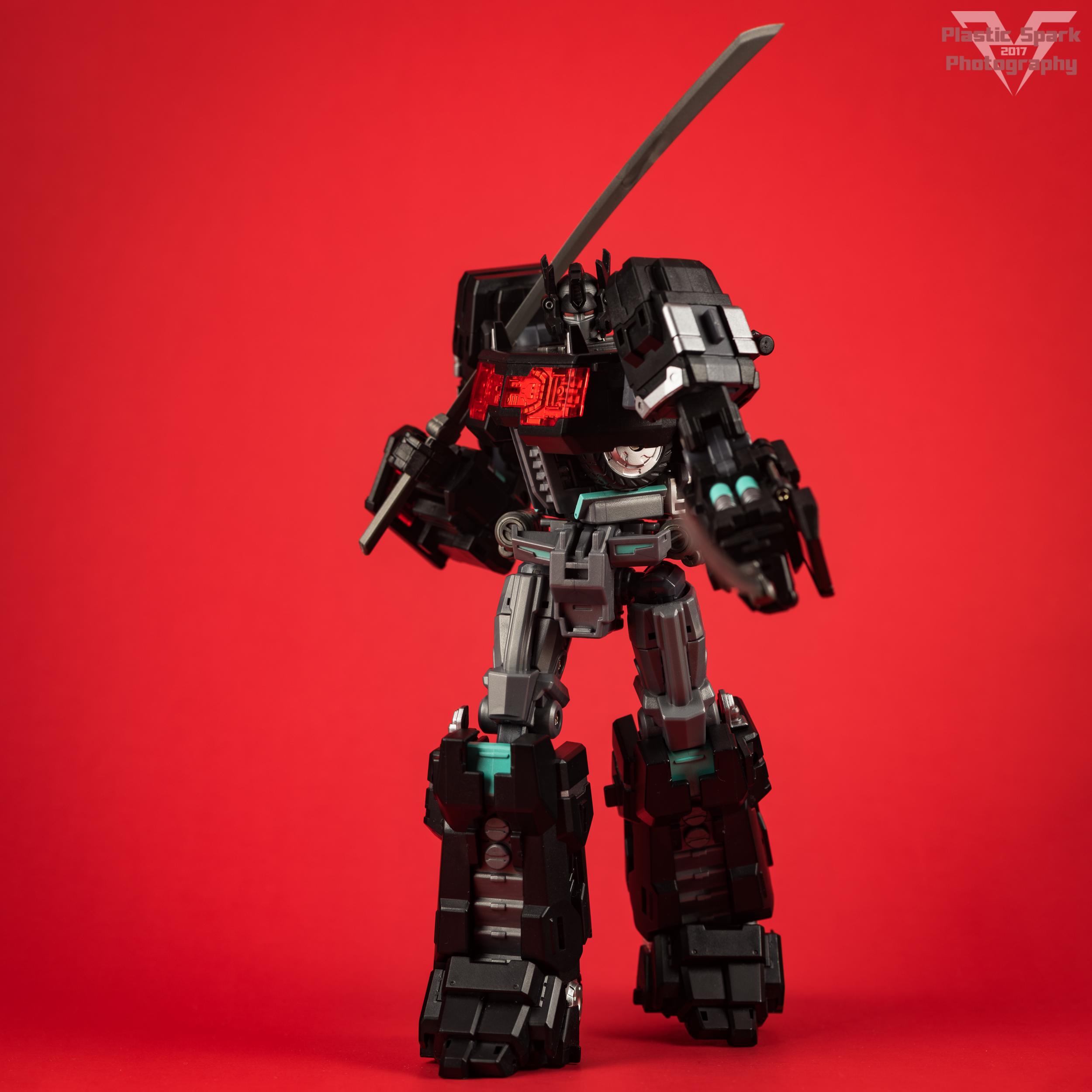 Maketoys-MTCD-01SP-Striker-Noir-(15-of-36).png