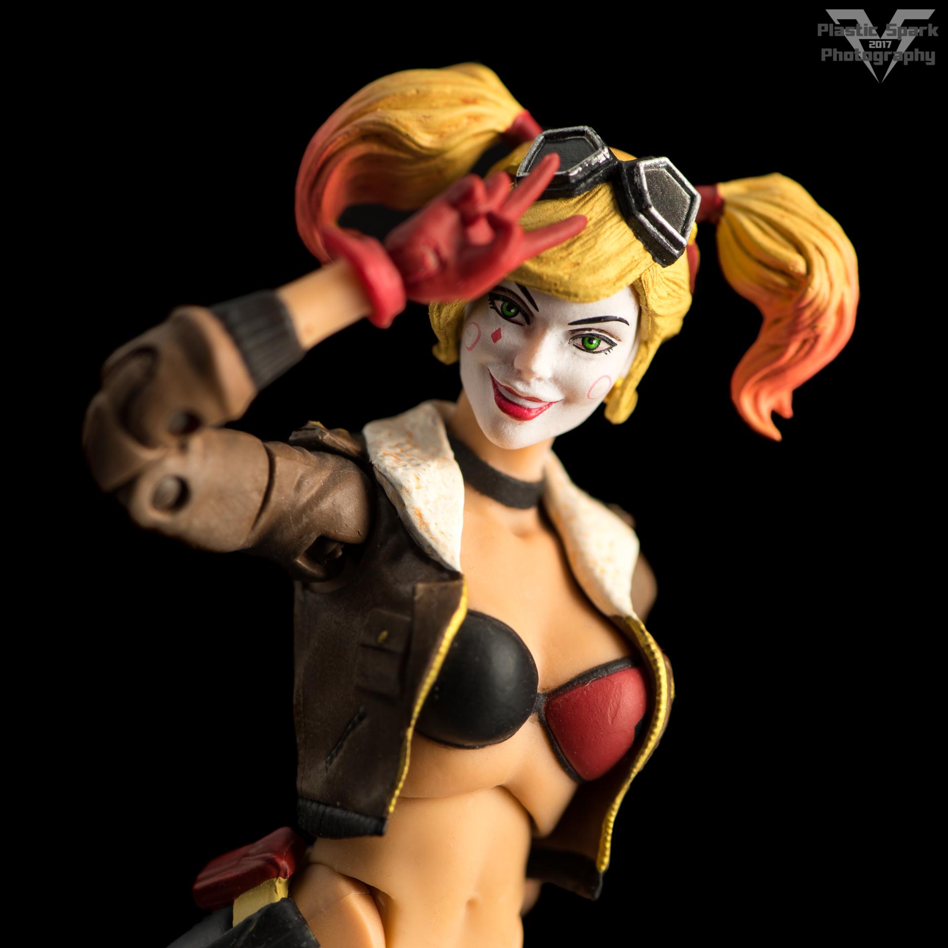 Bombshell-Harley-Quinn-(1-of-12).png