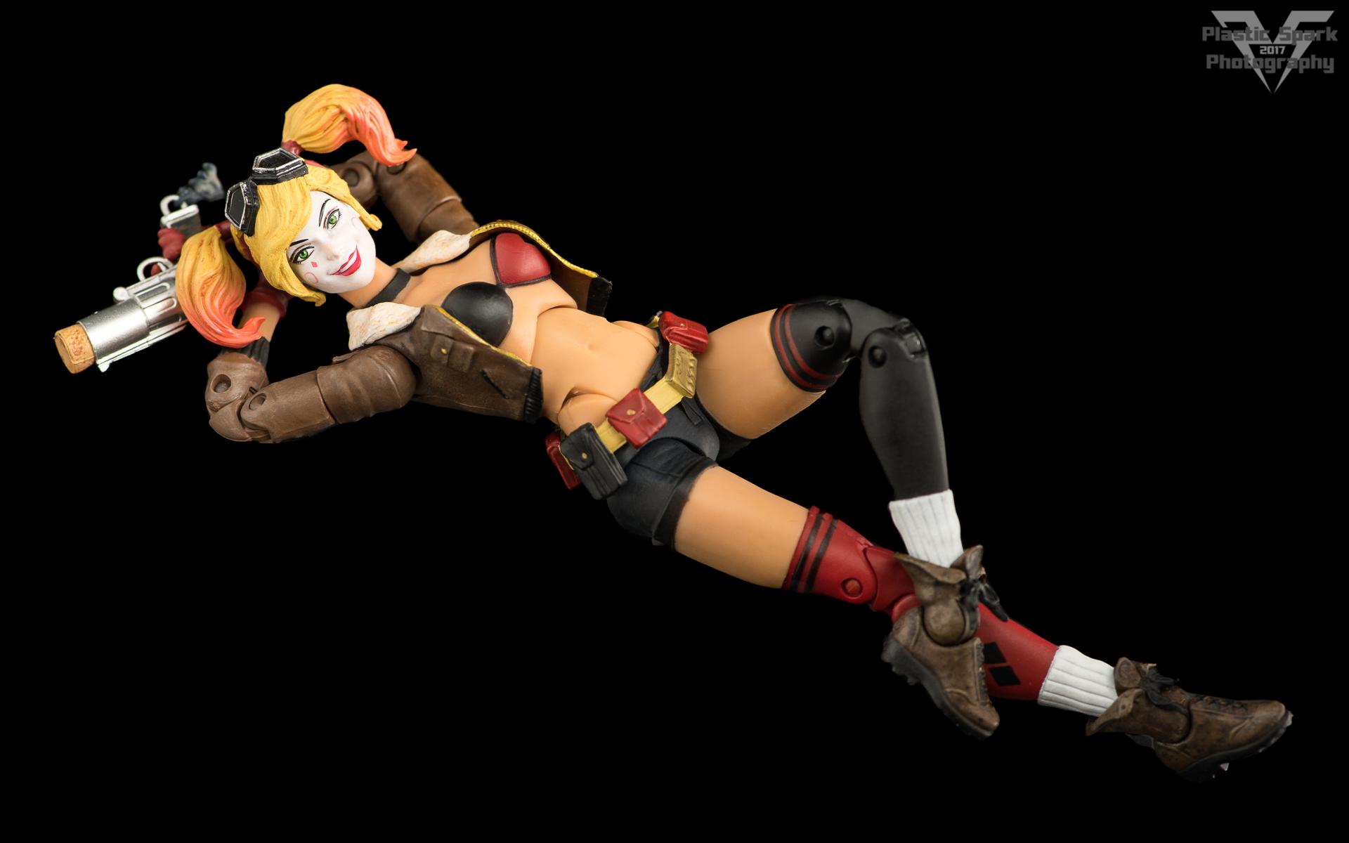 Bombshell-Harley-Quinn-(12-of-12).png