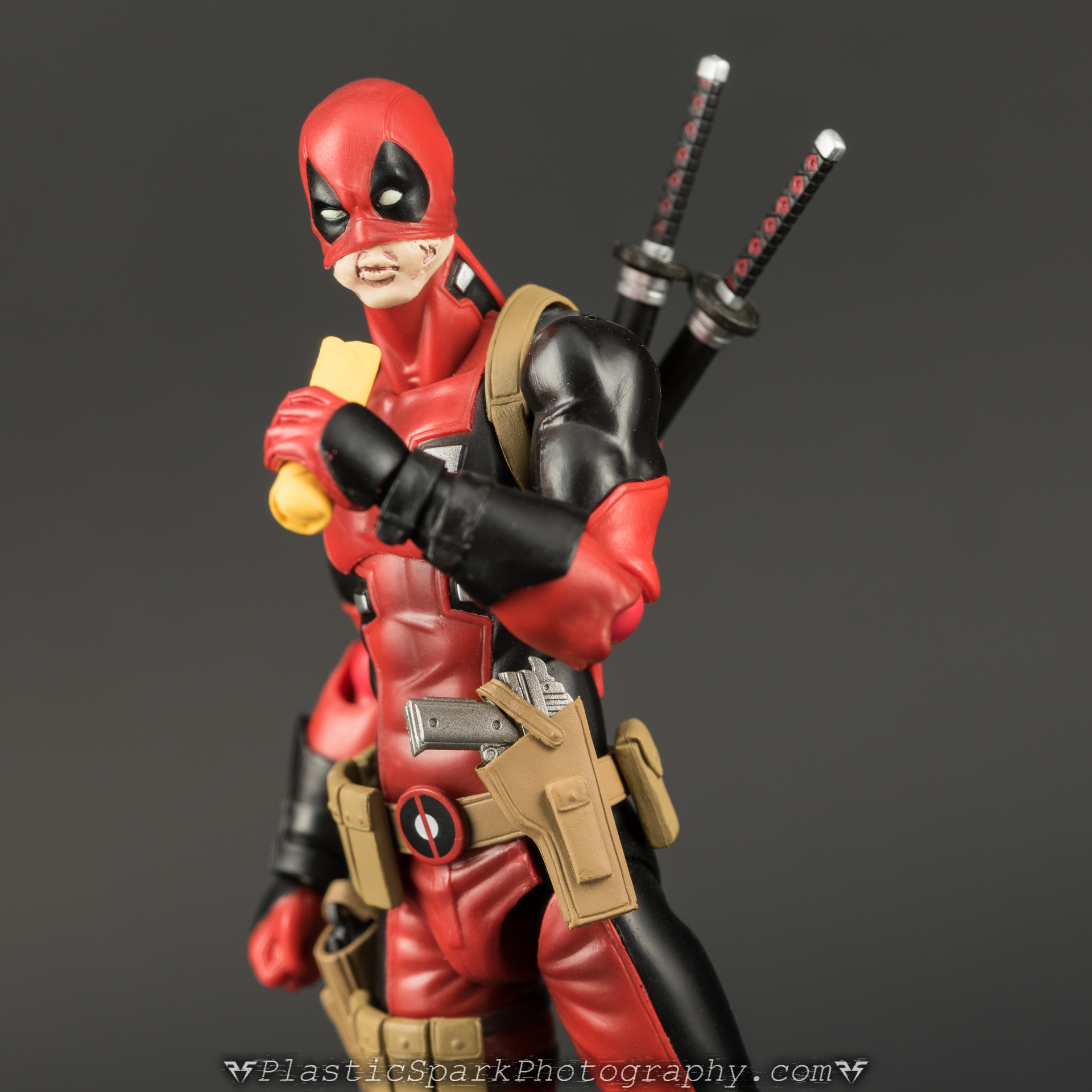 Figma-Deadpool-(3-of-62).jpg