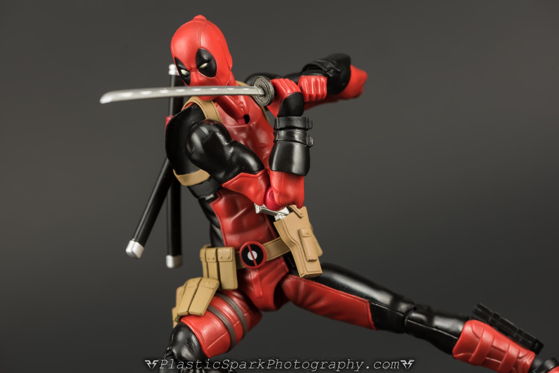Figma-Deadpool-(28-of-62).jpg
