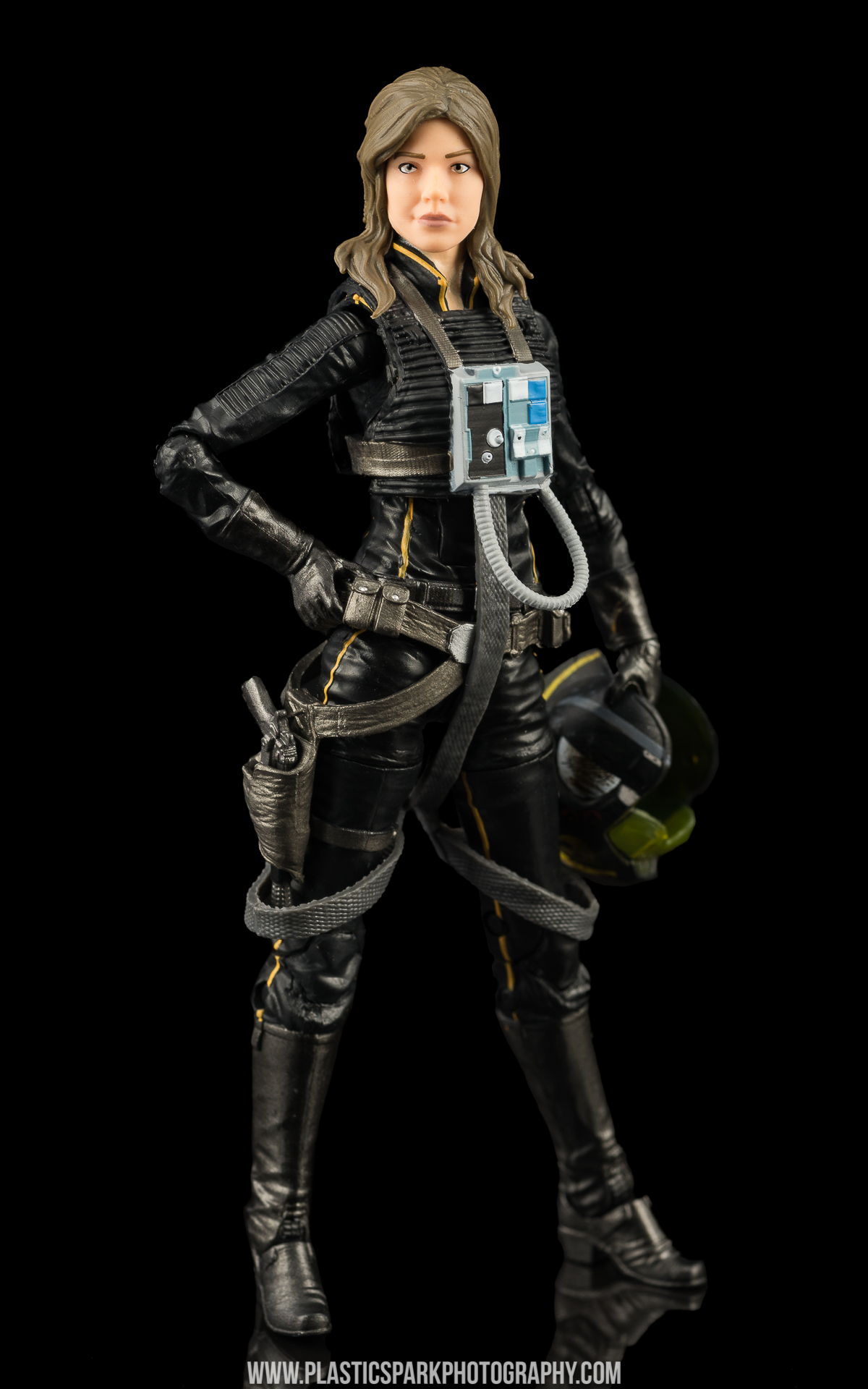 Star Wars Black Series Jaina Solo (4 of 14).jpg