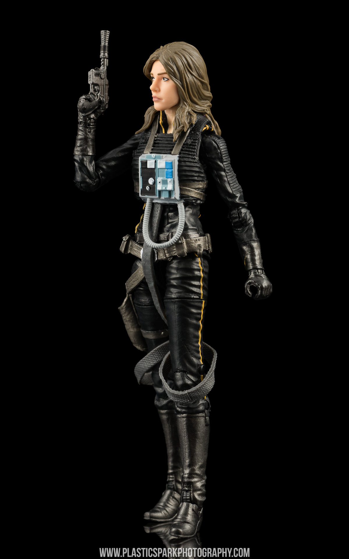 Star Wars Black Series Jaina Solo (7 of 14).jpg