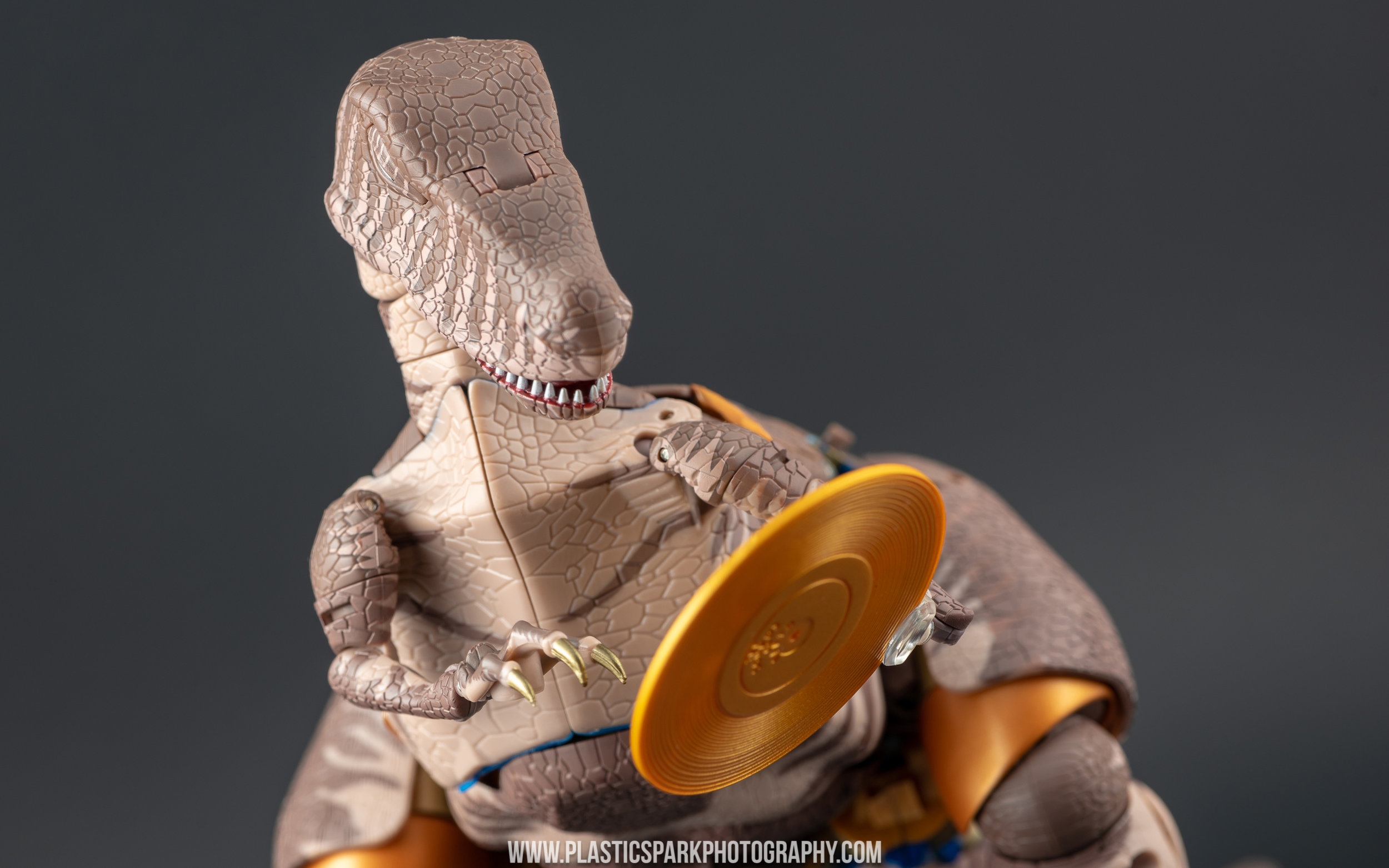 Masterpiece MP-41 Dinobot (6 of 88).jpg