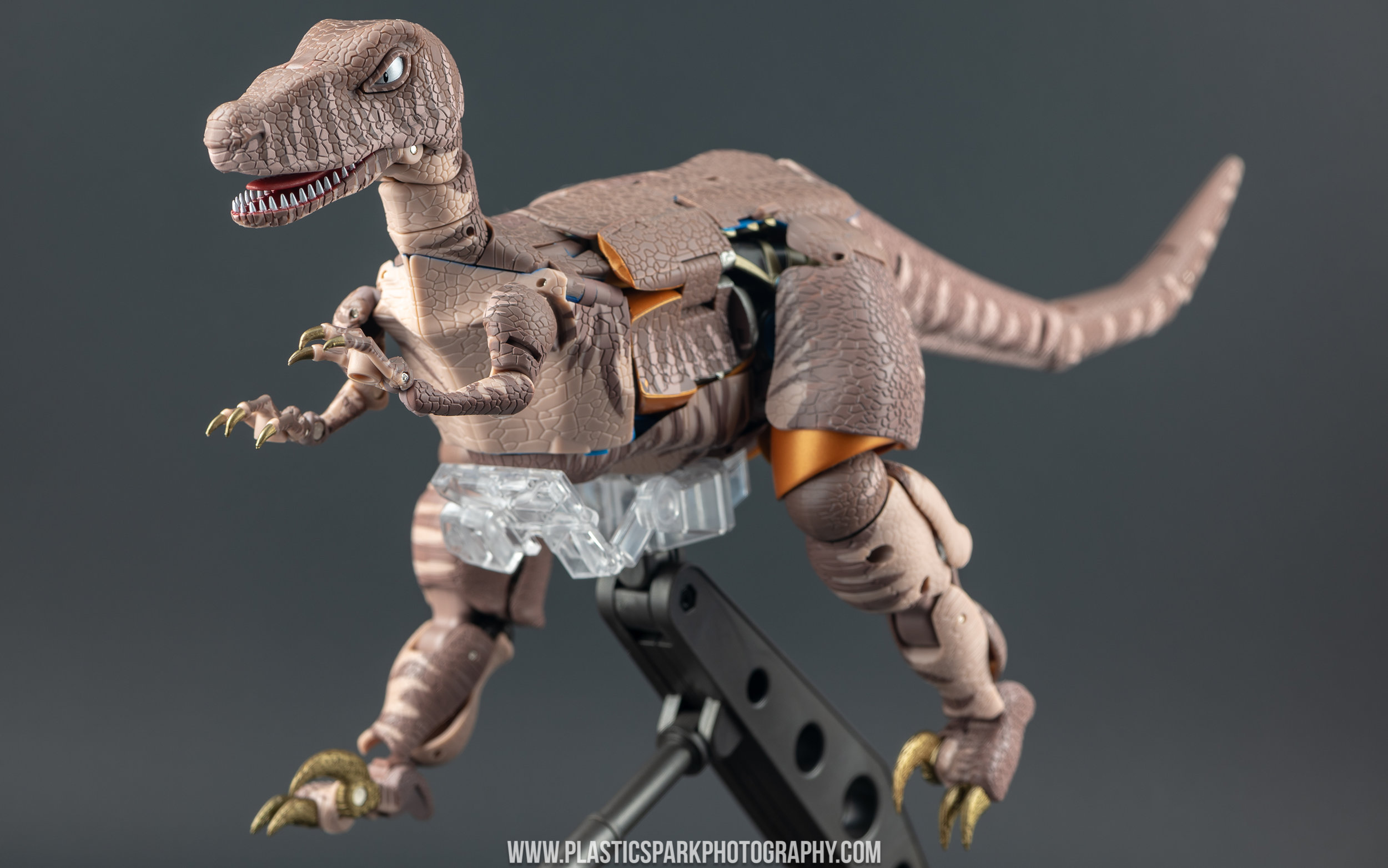 Masterpiece MP-41 Dinobot (9 of 88).jpg