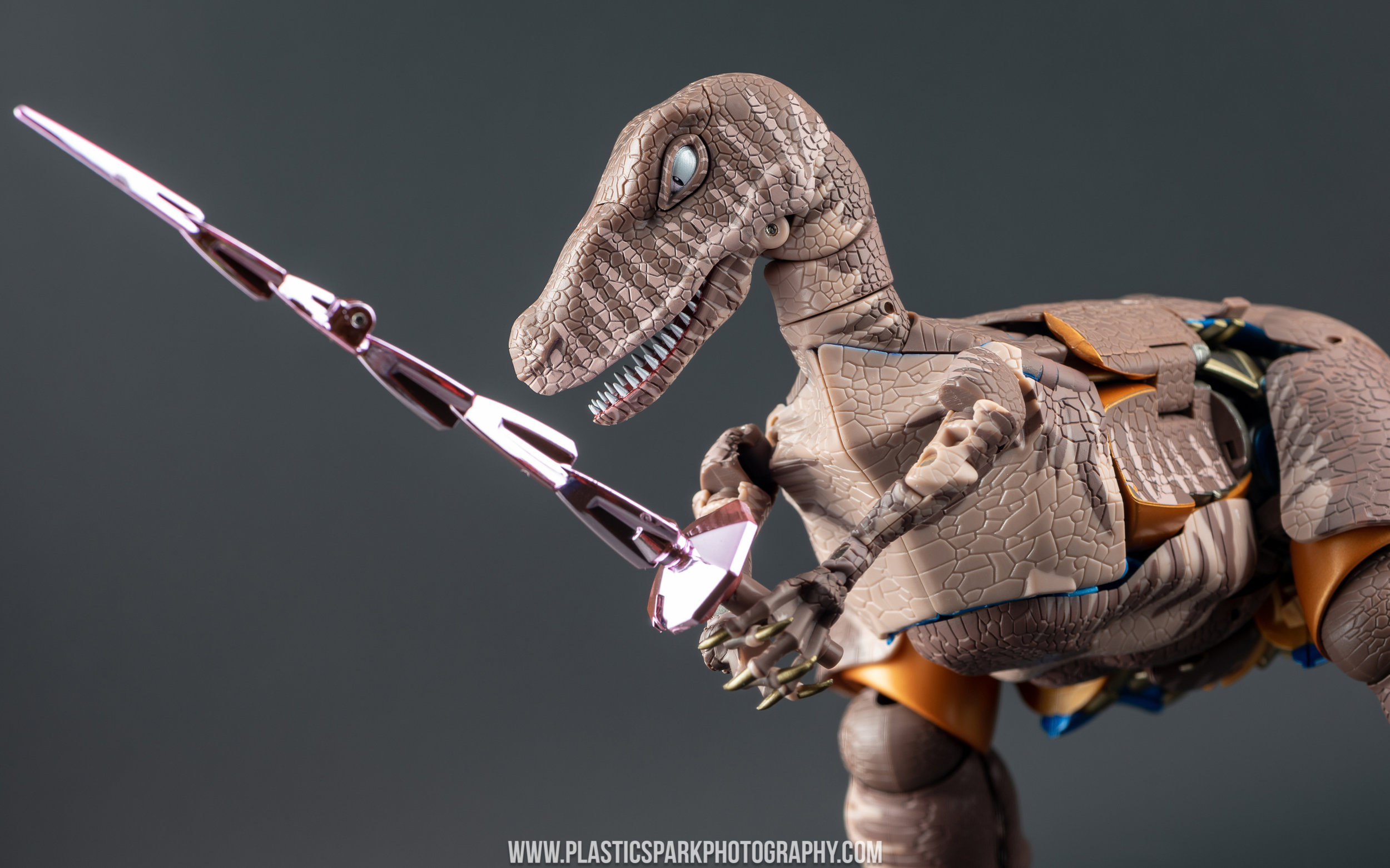 Masterpiece MP-41 Dinobot (17 of 88).jpg