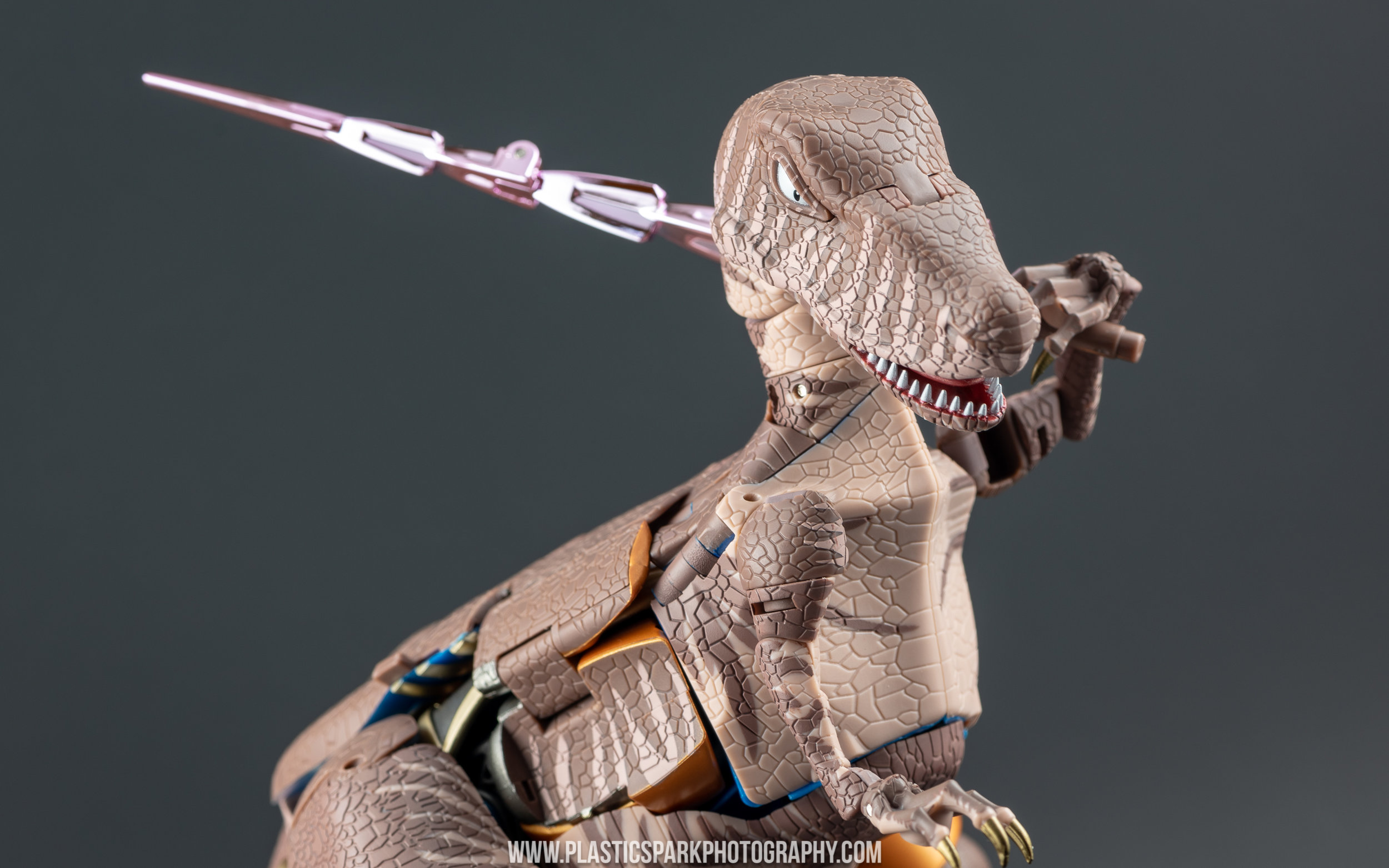 Masterpiece MP-41 Dinobot (18 of 88).jpg
