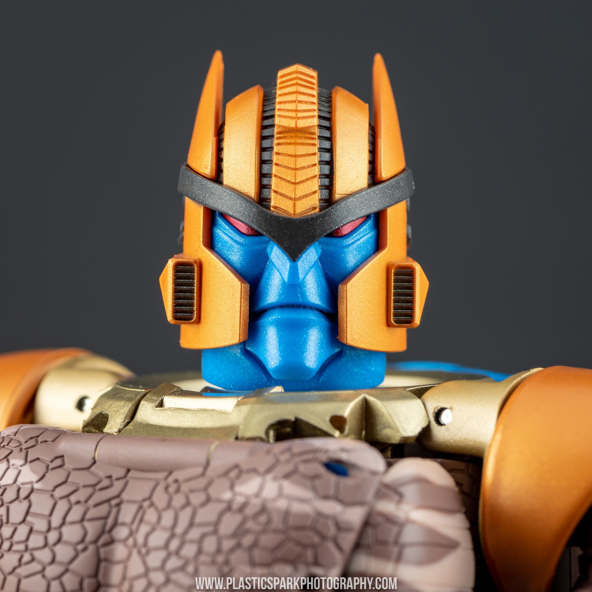 Masterpiece MP-41 Dinobot (28 of 88).jpg