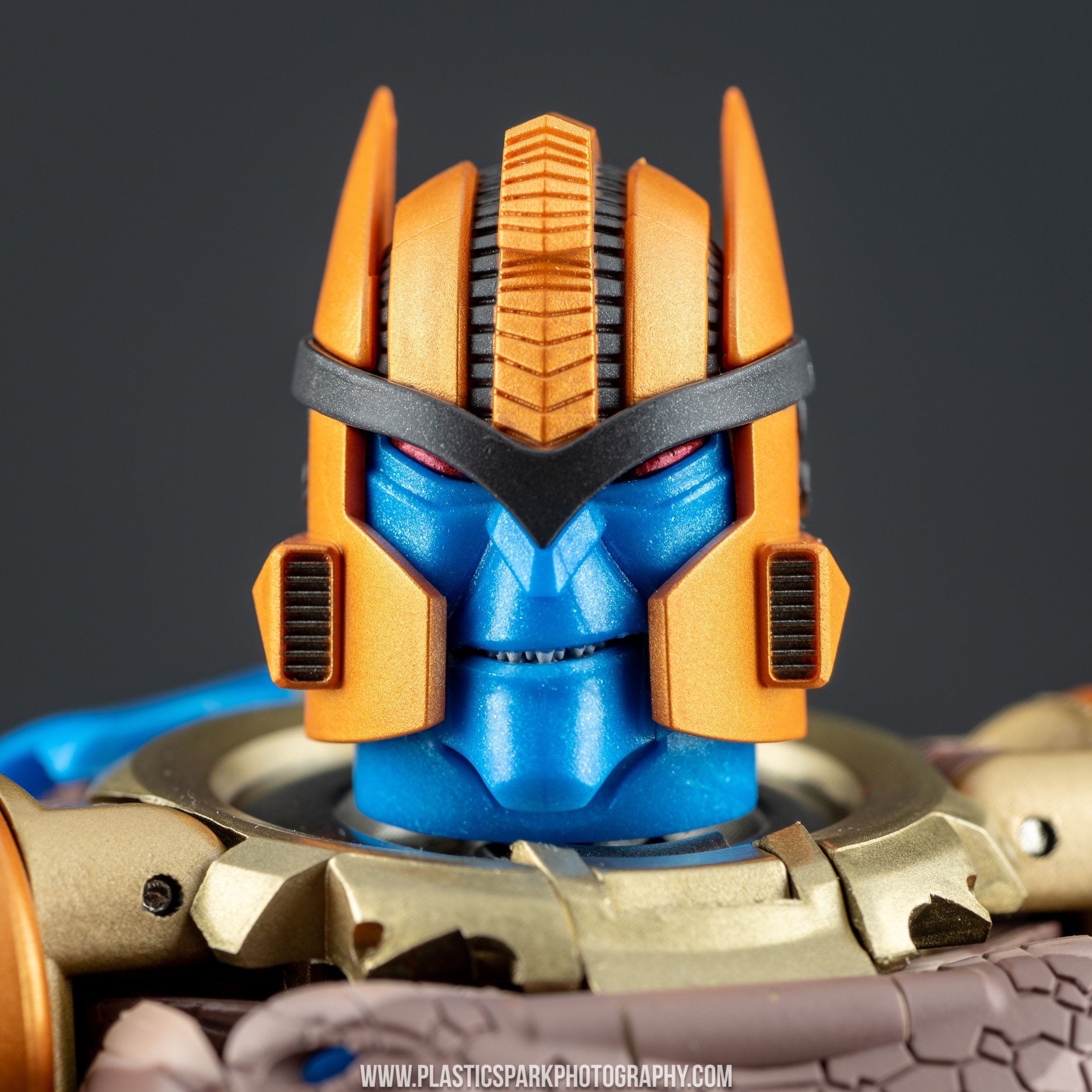 Masterpiece MP-41 Dinobot (33 of 88).jpg