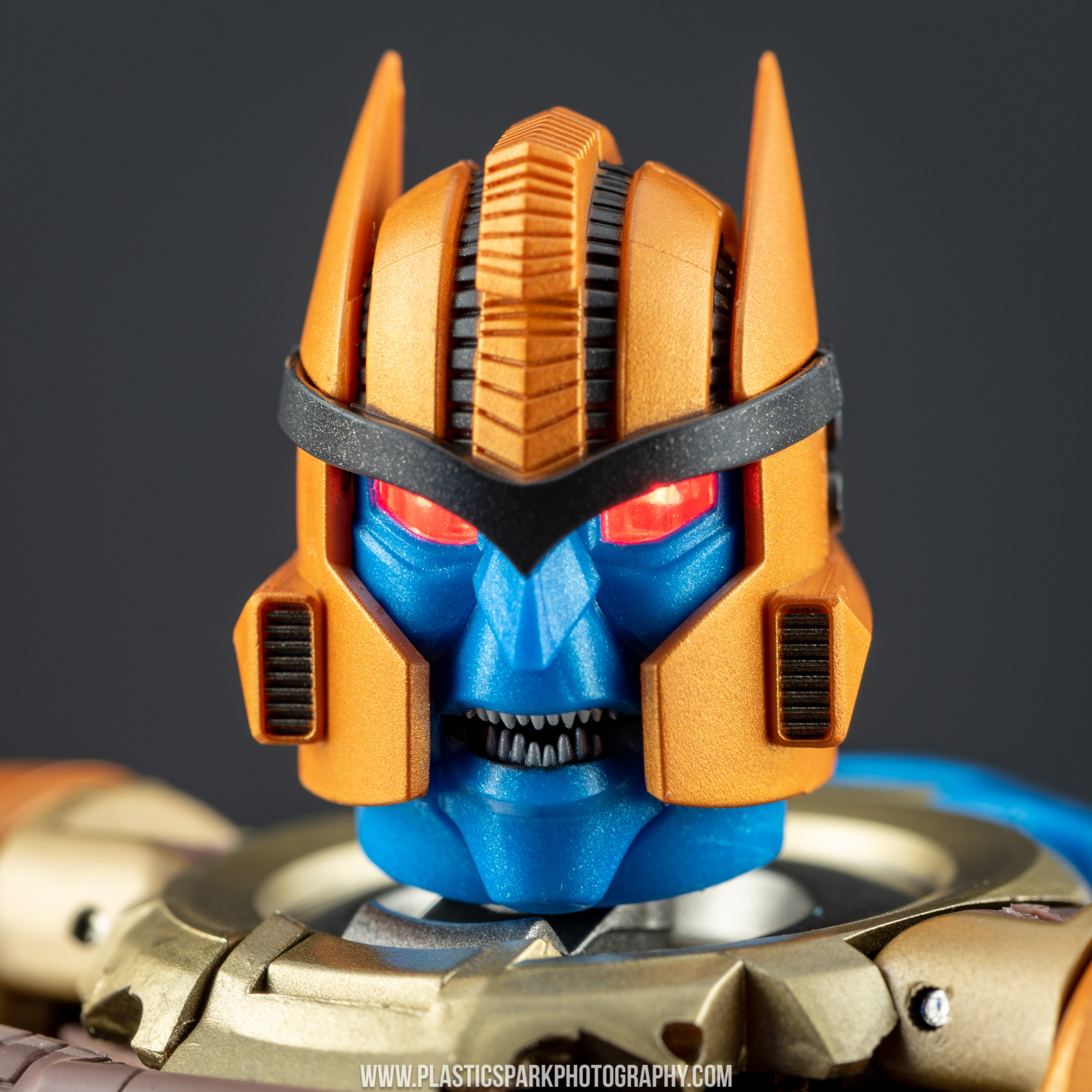 Masterpiece MP-41 Dinobot (36 of 88).jpg