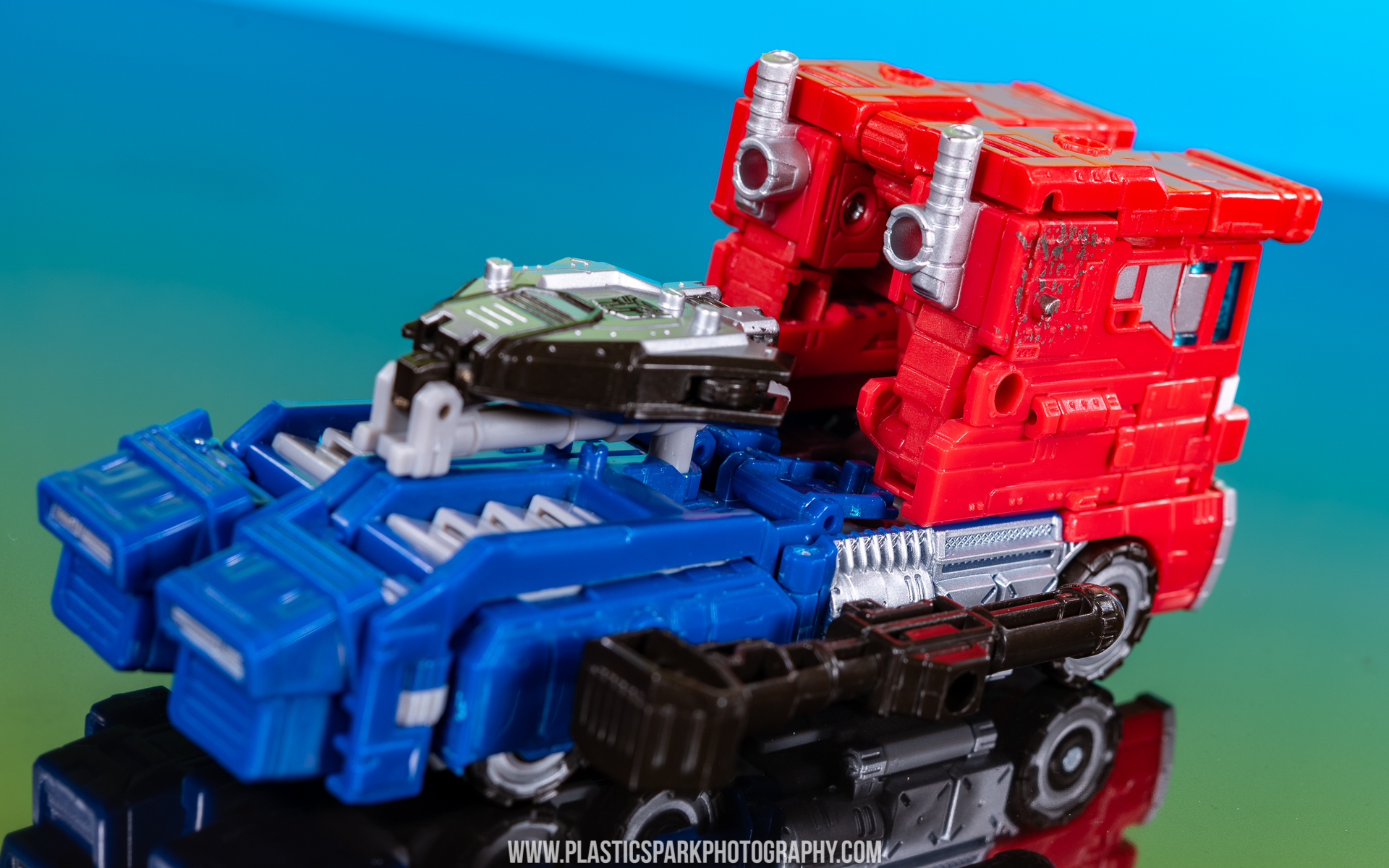 Voyager Siege Optimus Prime (20 of 31).jpg
