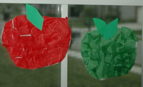 Stained_Glass_Apples_2.JPG