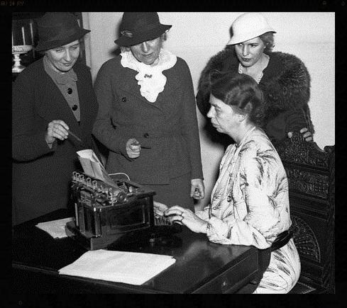 Eleanor Roosevelt and Emma Bugbee.jpg