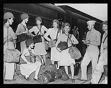 Women correspondents covering World War II