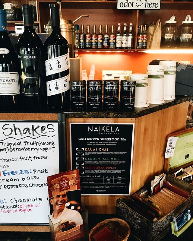 Yay!!! @kalaheocafe has @naikelabotanicals Superfood Tea Powders by the cup! You can get it iced or hot, latte style or added into coffee! Superfood tins are available for purchase inside cafe as well! 🌿🍂☕️ Don't forget to #hashtag #Naikelabotanicals on any pics!!! #Eatitdrinkitloveit ______________________________________________ #kauai #health #superfoodtea #tea #cafe #coffeeshop #hawaii #kauailife #kauaicoffee #kalaheocafe #herbs #farmgrown #hawaiian #hawaiistagram #kauaiaswhy #kauaihawaii #luckywelivehawaii #rawfoods #vegan #organic #teapowders #yummy #local #travel