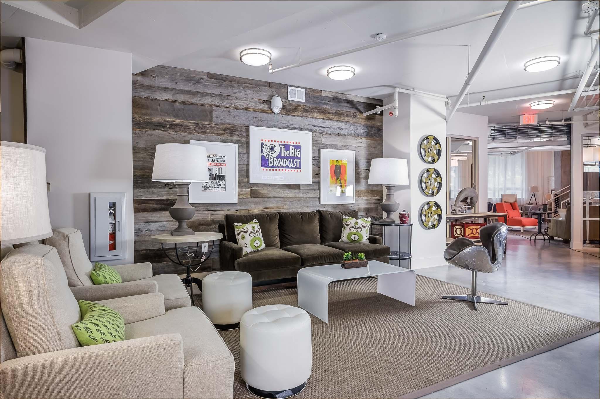 30-lobby-tv-area.jpg